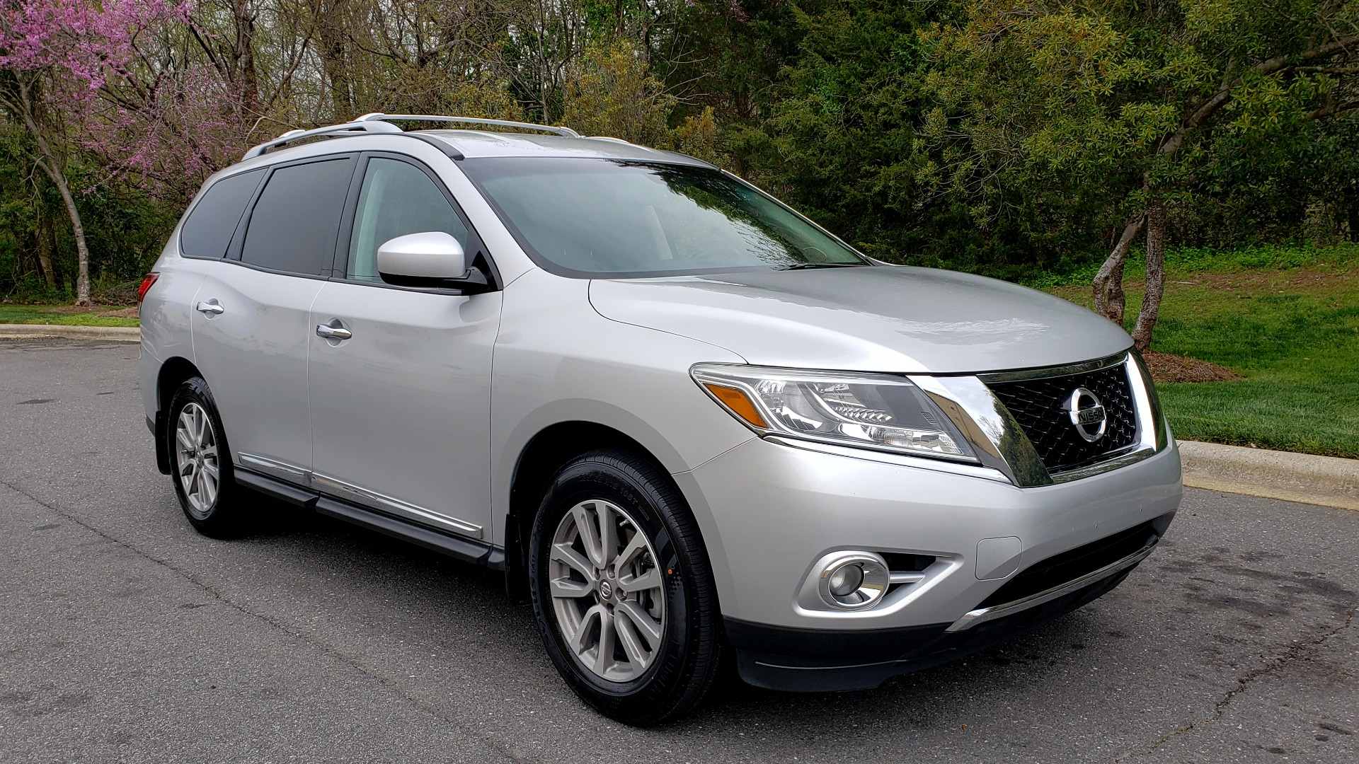 Used 2014 Nissan PATHFINDER SL TECH PKG / 4WD / NAV / SUNROOF / REARVIEW / 3-ROW for sale Sold at Formula Imports in Charlotte NC 28227 4