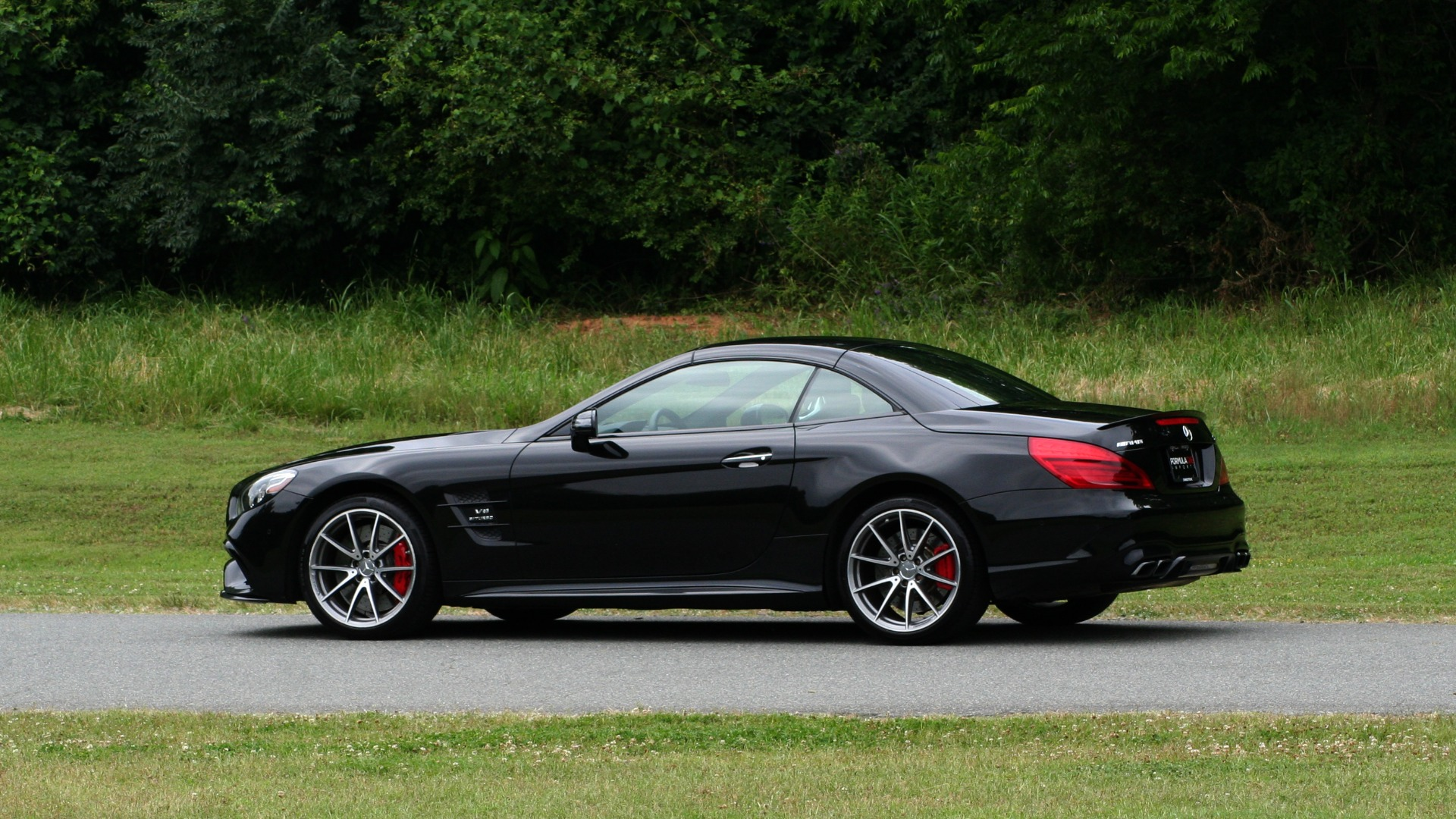 Used 2017 Mercedes-Benz SL 63 AMG / ROADSTER / DRIVER ASSIST / NAV / CAMERA for sale Sold at Formula Imports in Charlotte NC 28227 17