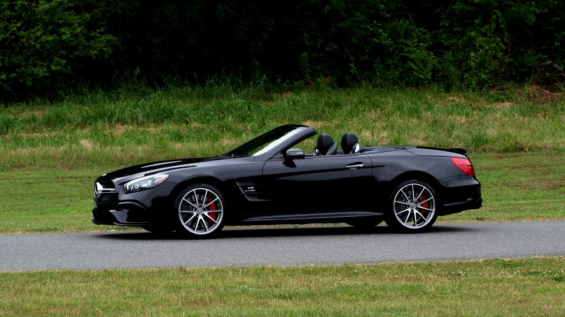 Used 2017 Mercedes-Benz SL 63 AMG / ROADSTER / DRIVER ASSIST / NAV / CAMERA for sale Sold at Formula Imports in Charlotte NC 28227 2