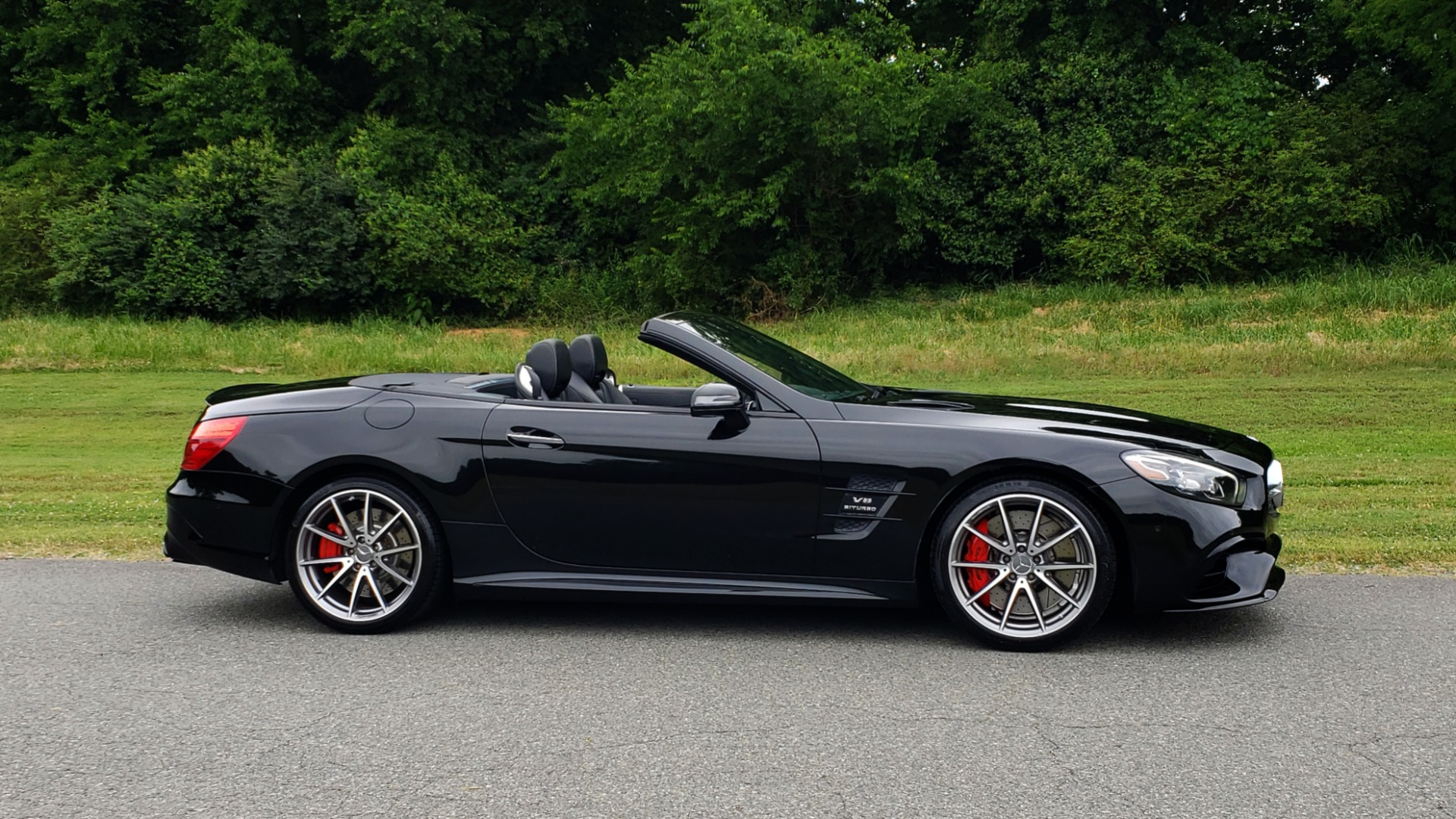 Used 2017 Mercedes-Benz SL 63 AMG / ROADSTER / DRIVER ASSIST / NAV / CAMERA for sale Sold at Formula Imports in Charlotte NC 28227 25