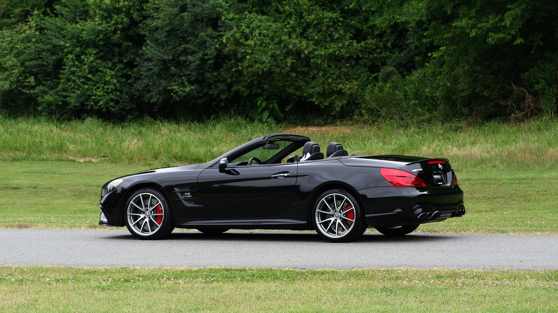Used 2017 Mercedes-Benz SL 63 AMG / ROADSTER / DRIVER ASSIST / NAV / CAMERA for sale Sold at Formula Imports in Charlotte NC 28227 4