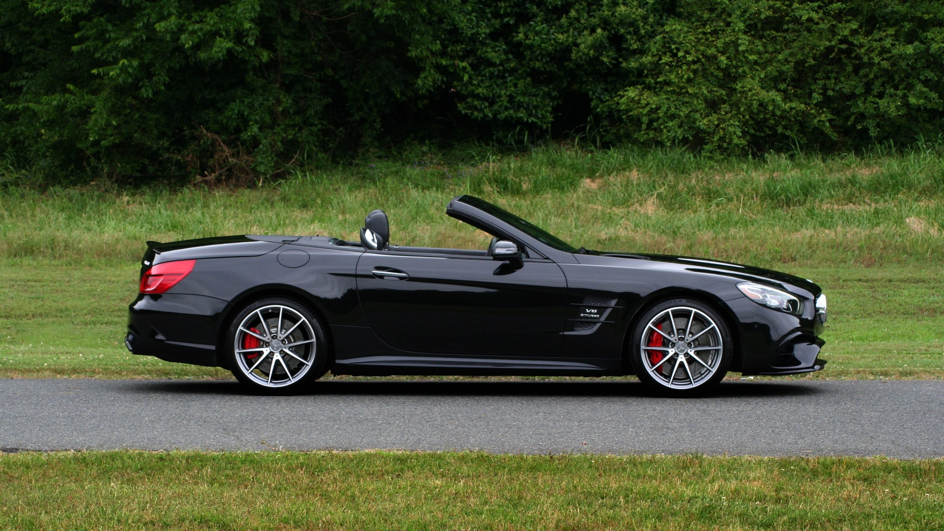 Used 2017 Mercedes-Benz SL 63 AMG / ROADSTER / DRIVER ASSIST / NAV / CAMERA for sale Sold at Formula Imports in Charlotte NC 28227 9