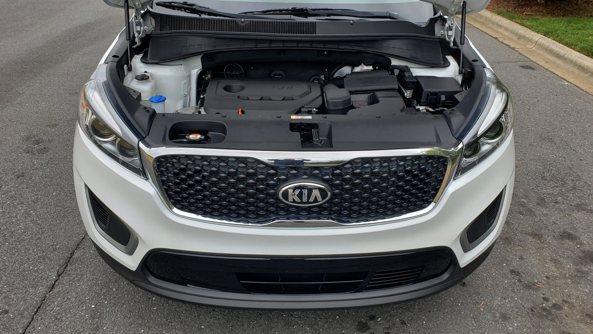 Used 2017 Kia SORENTO LX CONV PKG / FWD / ADVANCED TECH / 3-ROW for sale Sold at Formula Imports in Charlotte NC 28227 10