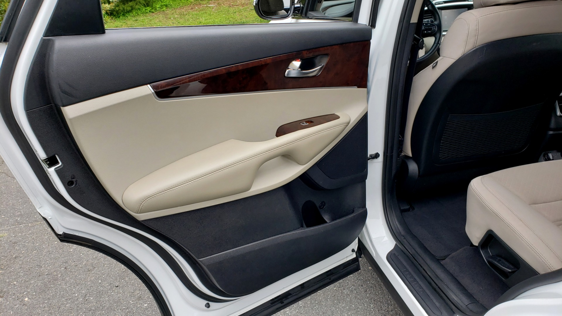 Used 2017 Kia SORENTO LX CONV PKG / FWD / ADVANCED TECH / 3-ROW for sale Sold at Formula Imports in Charlotte NC 28227 58