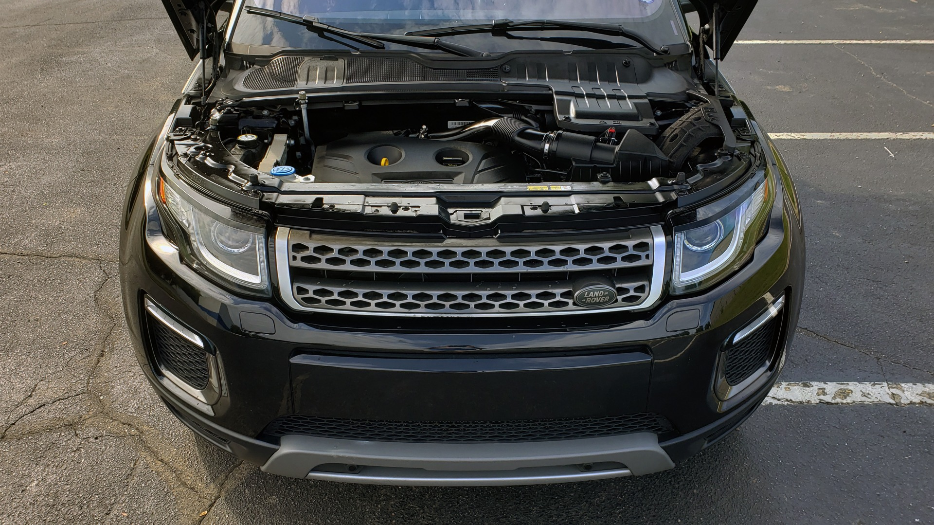 Used 2016 Land Rover RANGE ROVER EVOQUE HSE / AWD / NAV / MERIDIAN / PANO-ROOF / REARVIEW for sale Sold at Formula Imports in Charlotte NC 28227 10