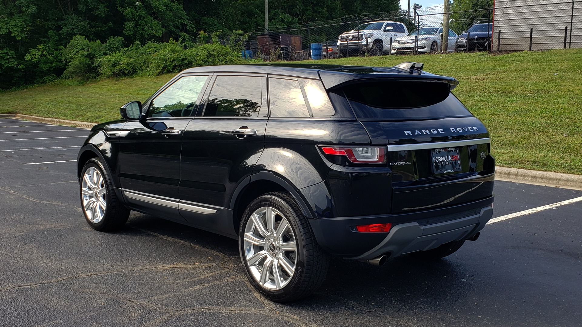 Used 2016 Land Rover RANGE ROVER EVOQUE HSE / AWD / NAV / MERIDIAN / PANO-ROOF / REARVIEW for sale Sold at Formula Imports in Charlotte NC 28227 3