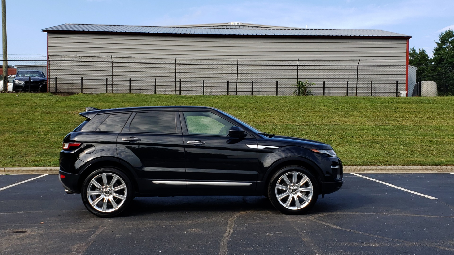 Used 2016 Land Rover RANGE ROVER EVOQUE HSE / AWD / NAV / MERIDIAN / PANO-ROOF / REARVIEW for sale Sold at Formula Imports in Charlotte NC 28227 5