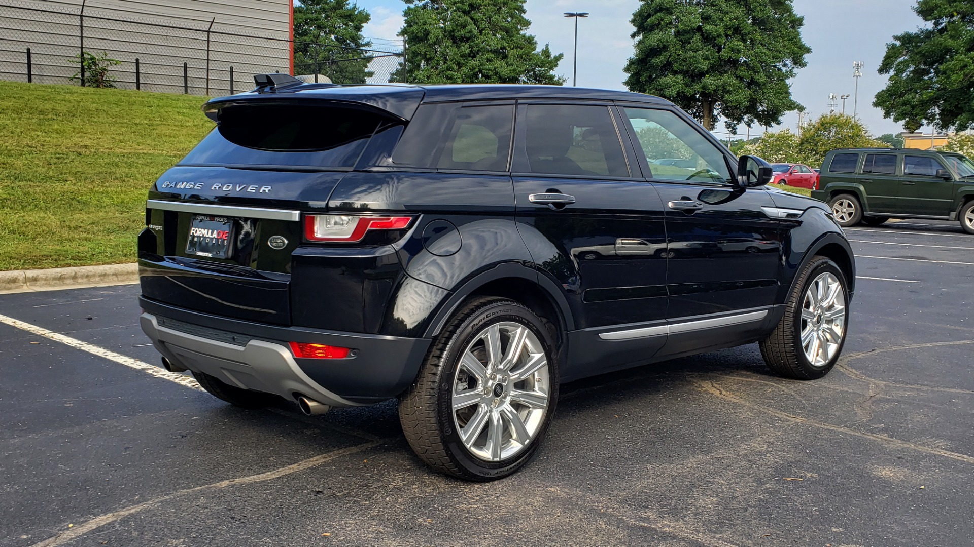 Used 2016 Land Rover RANGE ROVER EVOQUE HSE / AWD / NAV / MERIDIAN / PANO-ROOF / REARVIEW for sale Sold at Formula Imports in Charlotte NC 28227 6
