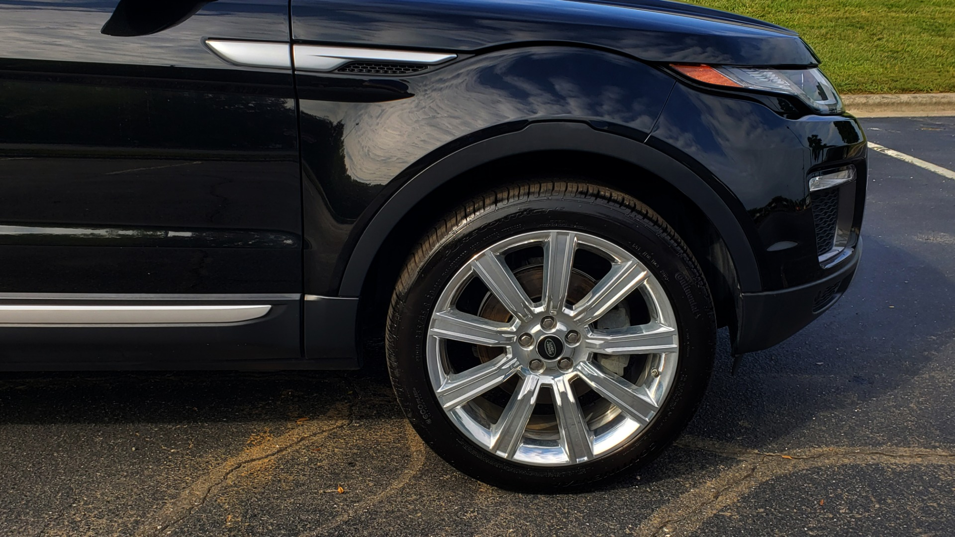 Used 2016 Land Rover RANGE ROVER EVOQUE HSE / AWD / NAV / MERIDIAN / PANO-ROOF / REARVIEW for sale Sold at Formula Imports in Charlotte NC 28227 82