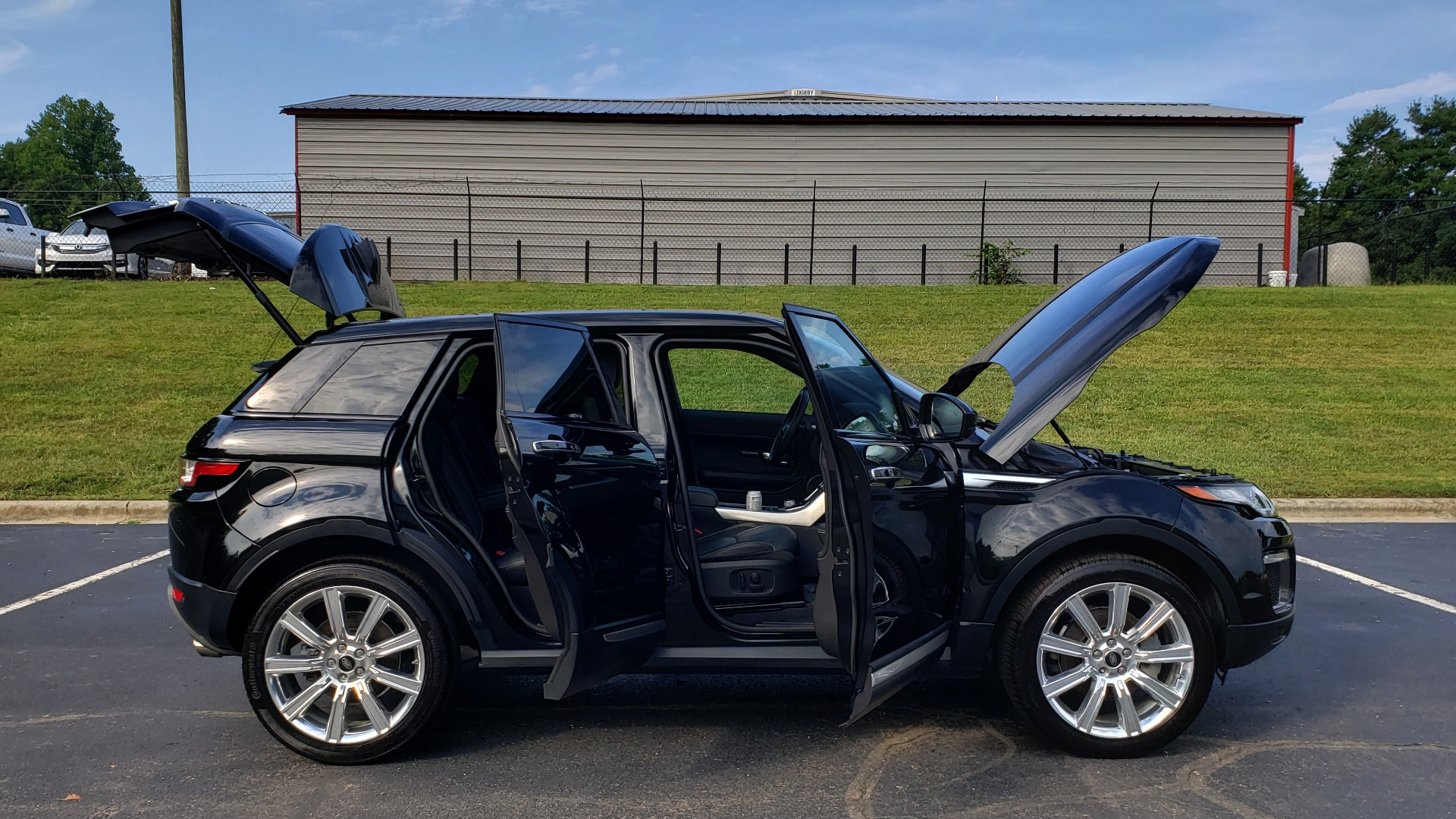 Used 2016 Land Rover RANGE ROVER EVOQUE HSE / AWD / NAV / MERIDIAN / PANO-ROOF / REARVIEW for sale Sold at Formula Imports in Charlotte NC 28227 9