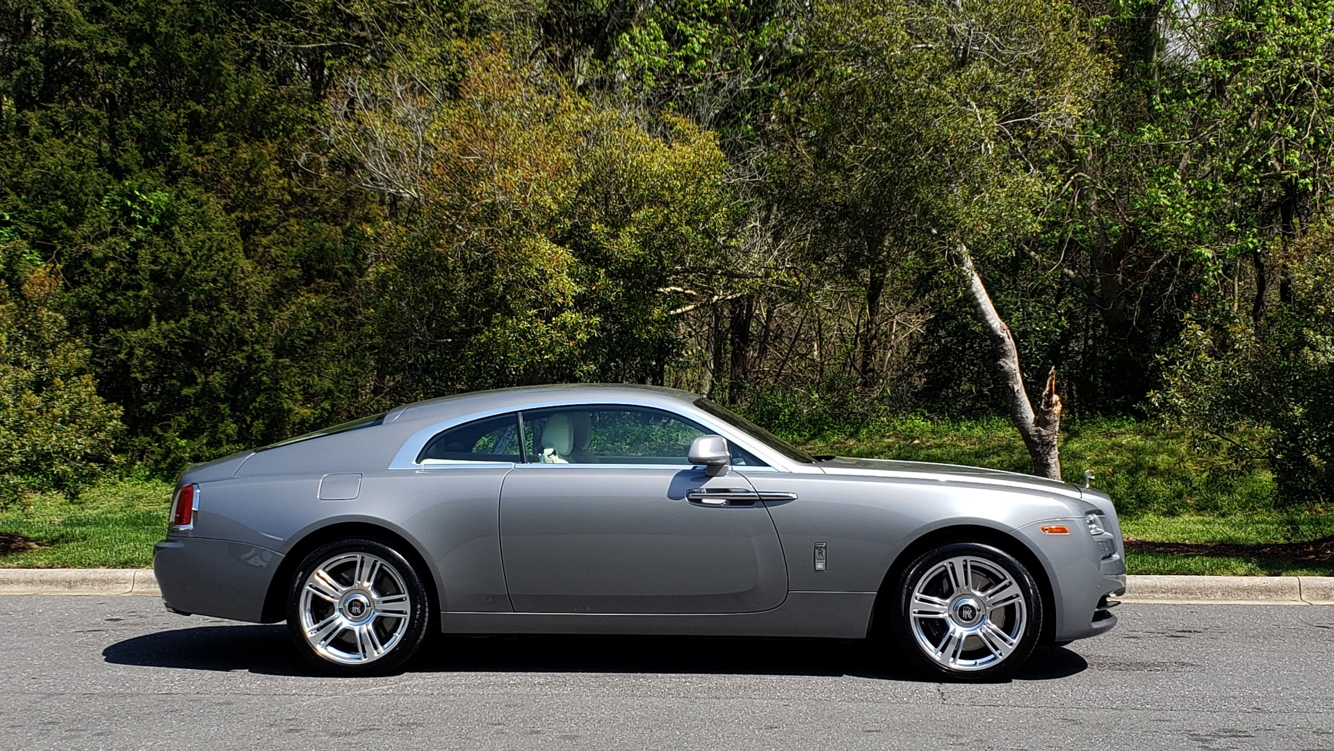 Used 2015 Rolls-Royce WRAITH 2DR COUPE / DRVR ASST / LANE DEPART / HEADS-UP / CAMERA for sale $159,995 at Formula Imports in Charlotte NC 28227 17