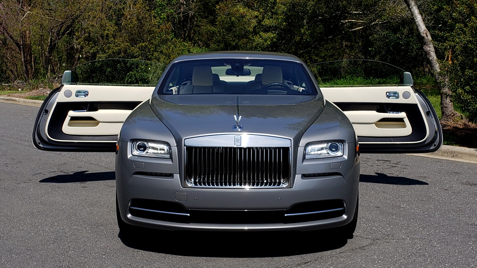 Used 2015 Rolls-Royce Wraith for sale $158,995 at Formula Imports in Charlotte NC 28227 25