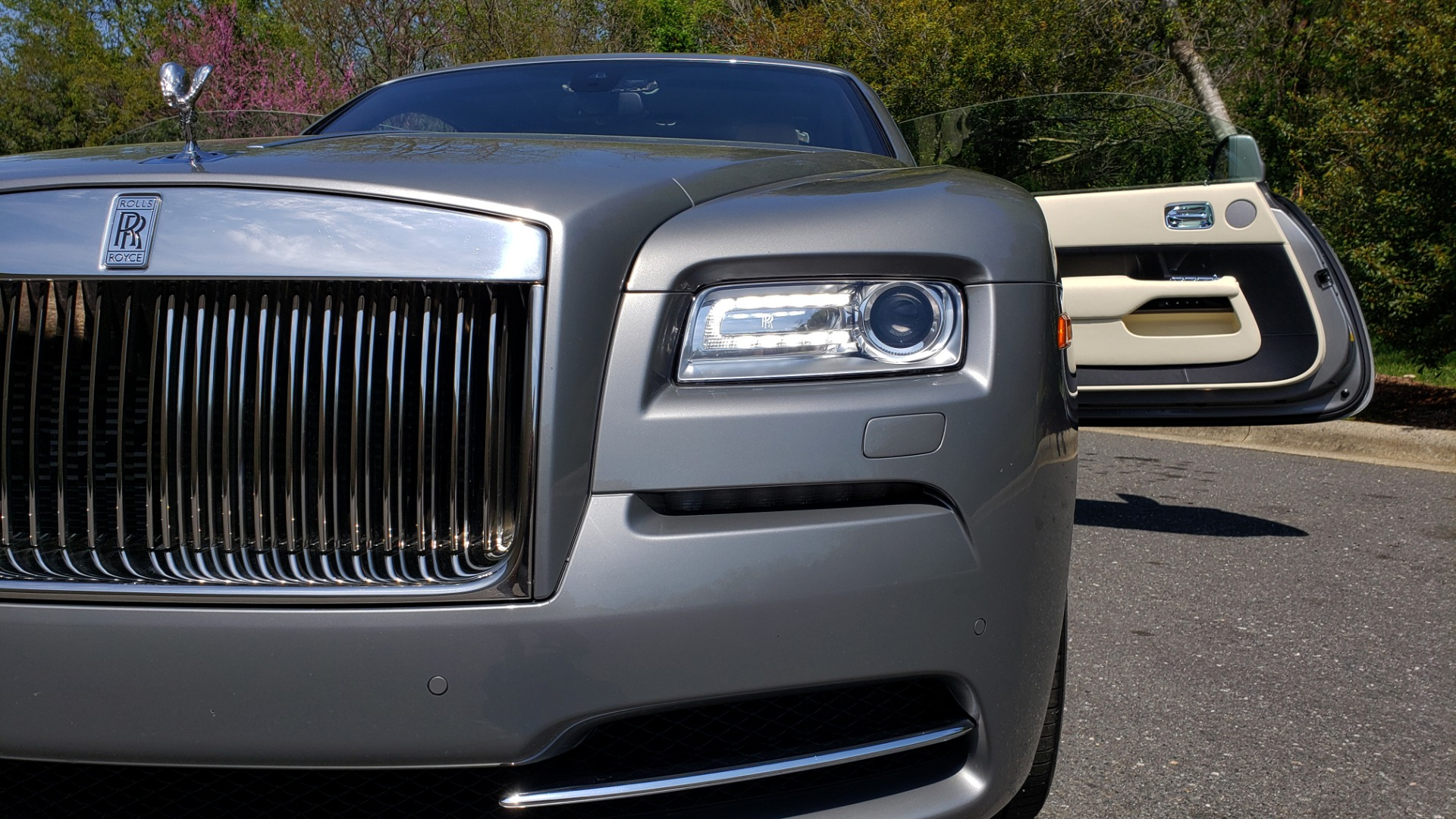 Used 2015 Rolls-Royce Wraith for sale $158,995 at Formula Imports in Charlotte NC 28227 27
