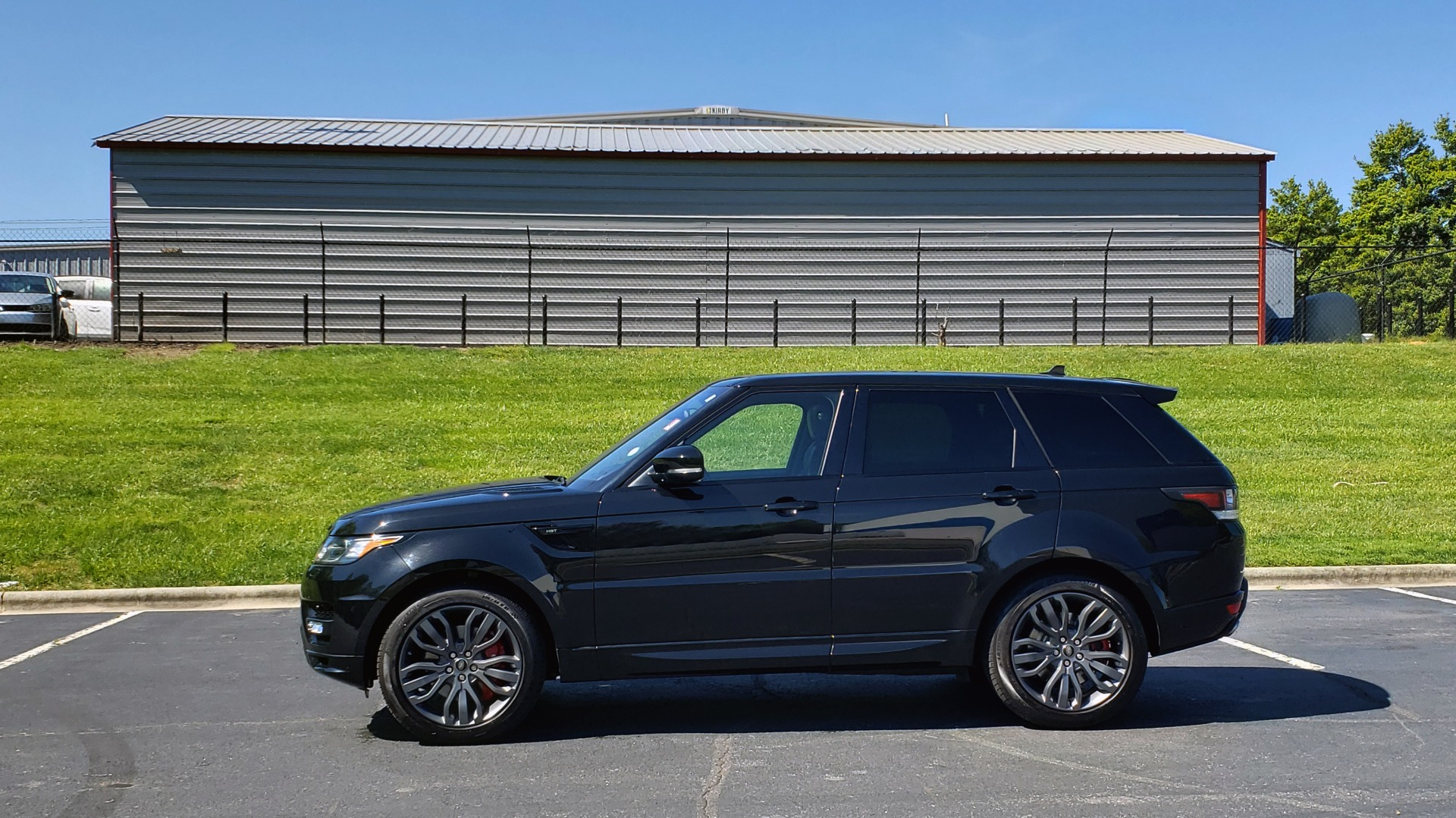 Used 2016 Land Rover RANGE ROVER SPORT SC V6 HSE HST / NAV / PANO-ROOF / MERIDIAN / REARVIEW for sale Sold at Formula Imports in Charlotte NC 28227 3