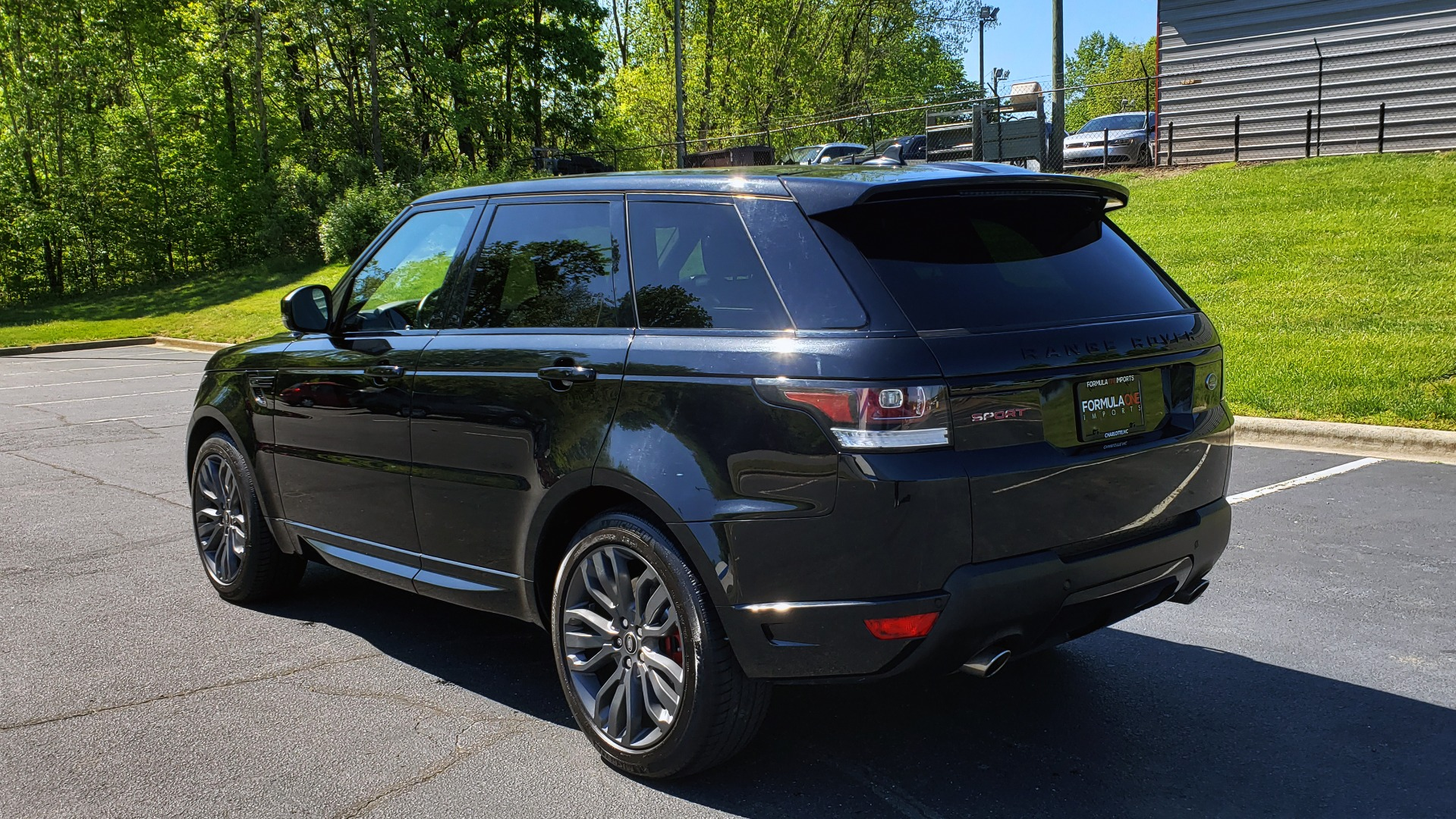 Used 2016 Land Rover RANGE ROVER SPORT SC V6 HSE HST / NAV / PANO-ROOF / MERIDIAN / REARVIEW for sale Sold at Formula Imports in Charlotte NC 28227 4