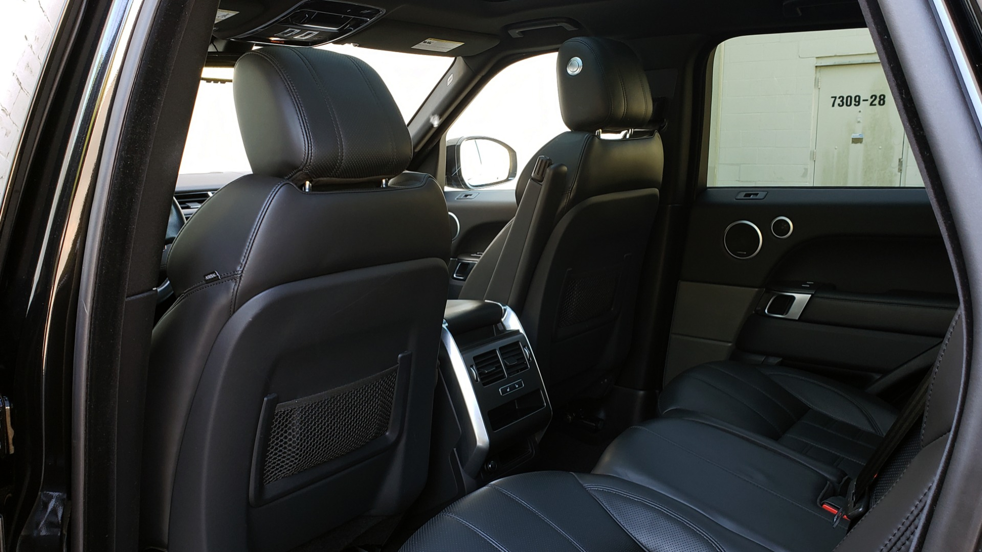 Used 2016 Land Rover RANGE ROVER SPORT SC V6 HSE HST / NAV / PANO-ROOF / MERIDIAN / REARVIEW for sale Sold at Formula Imports in Charlotte NC 28227 60