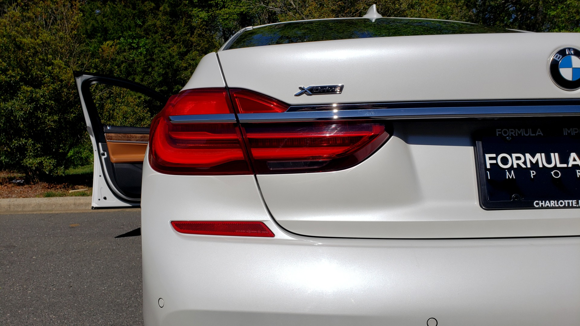 Used 2017 BMW 7 SERIES 750I XDRIVE / M-SPORT / EXEC PKG / DRVR ASST PLUS II / CLD WTHR for sale $48,495 at Formula Imports in Charlotte NC 28227 24