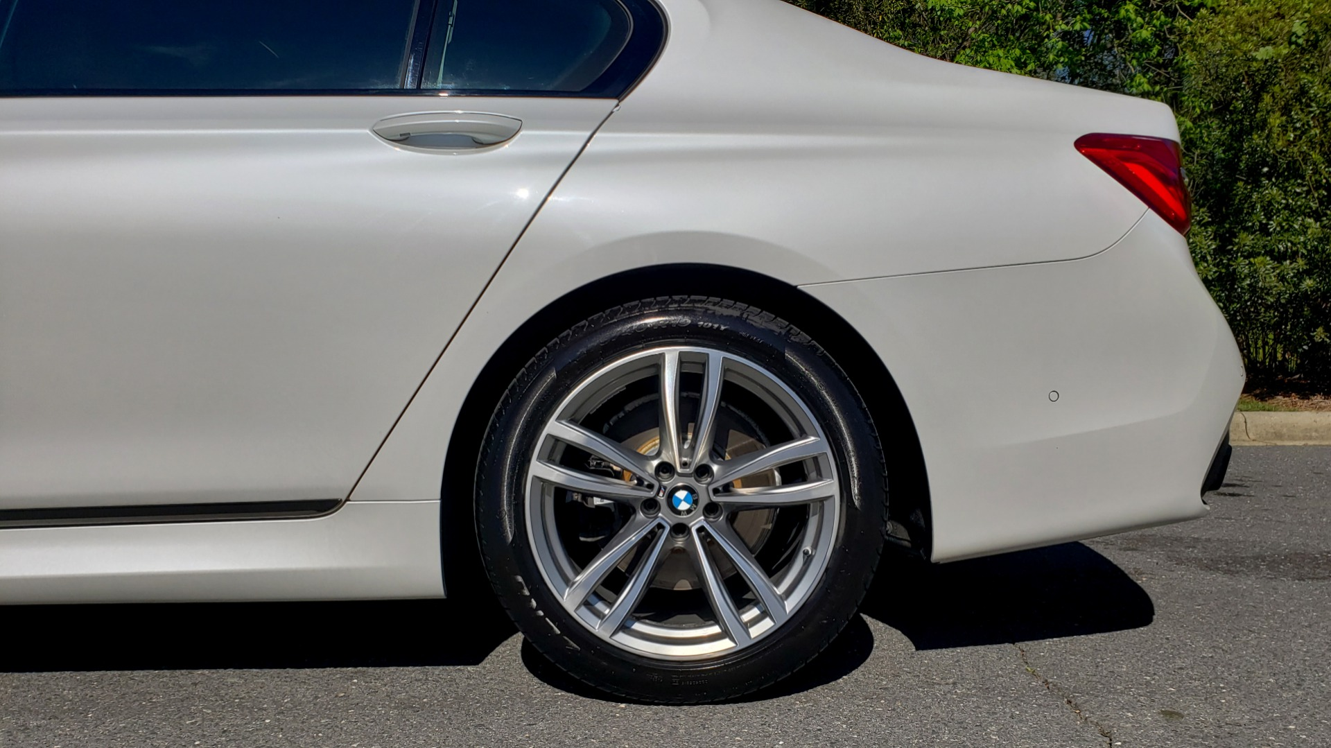 Used 2017 BMW 7 SERIES 750I XDRIVE / M-SPORT / EXEC PKG / DRVR ASST PLUS II / CLD WTHR for sale $48,495 at Formula Imports in Charlotte NC 28227 91