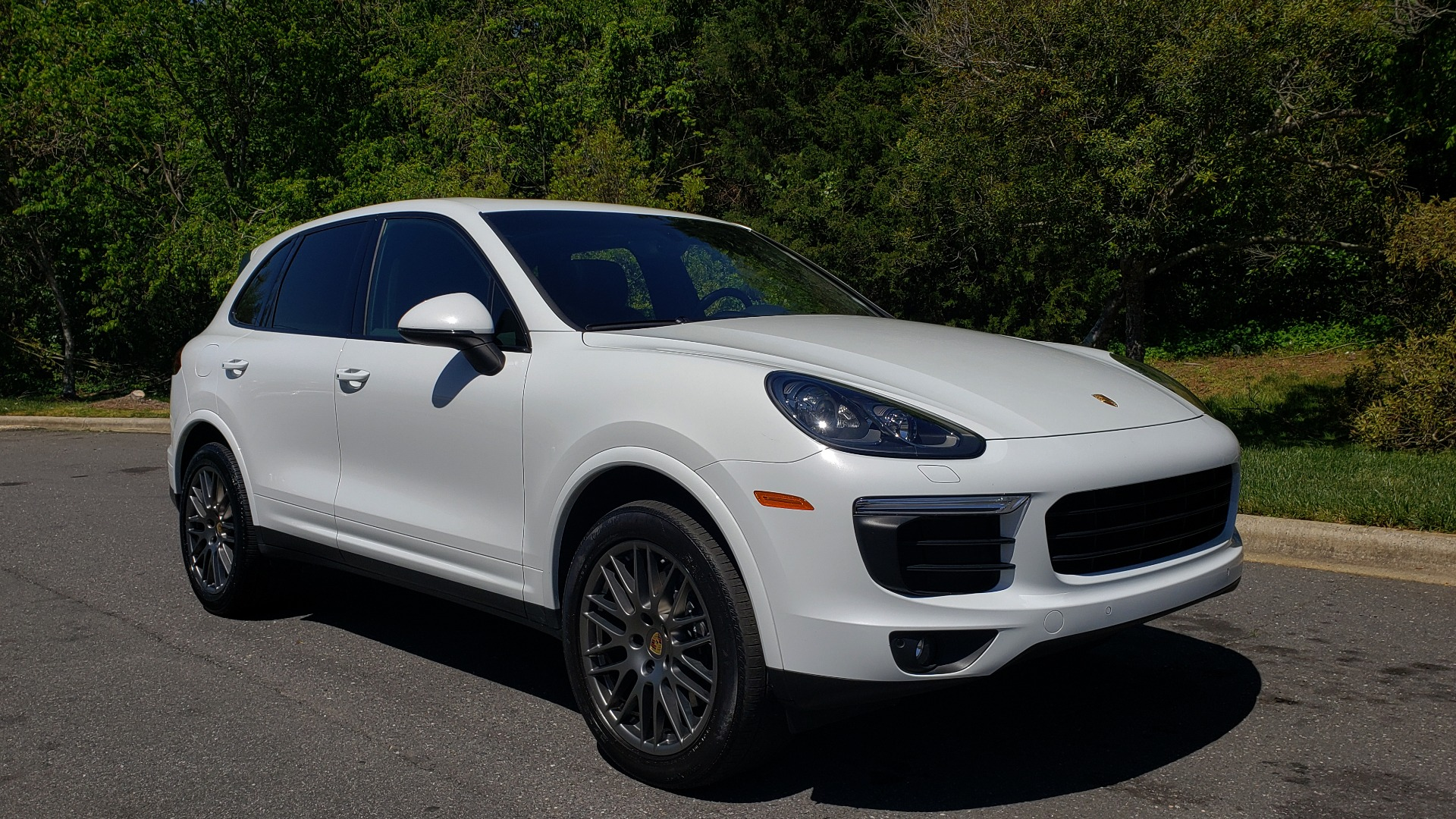 Used 2017 Porsche Cayenne Platinum Edition for sale Sold at Formula Imports in Charlotte NC 28227 10