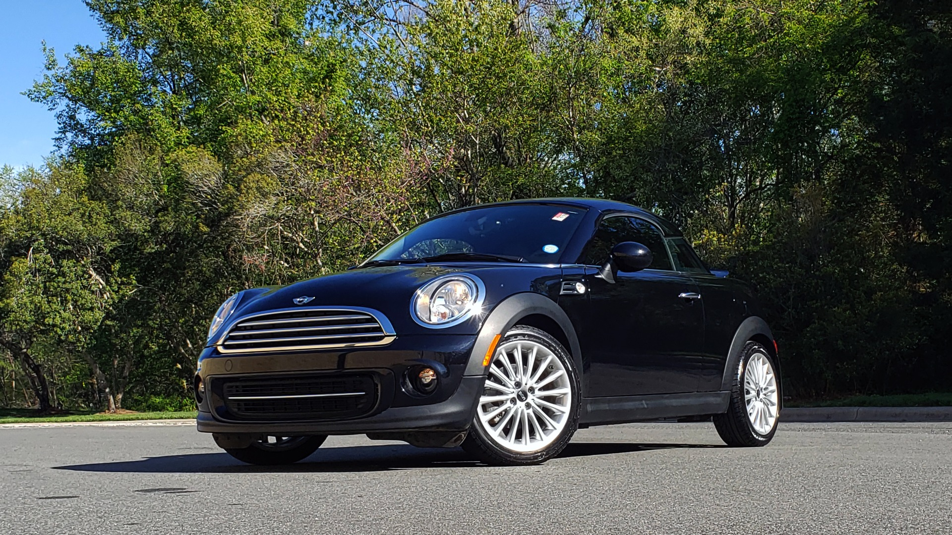 Used 2014 MINI COOPER COUPE FWD / 6-SPD MAN / 17IN WHEELS / LOW MILES for sale Sold at Formula Imports in Charlotte NC 28227 36