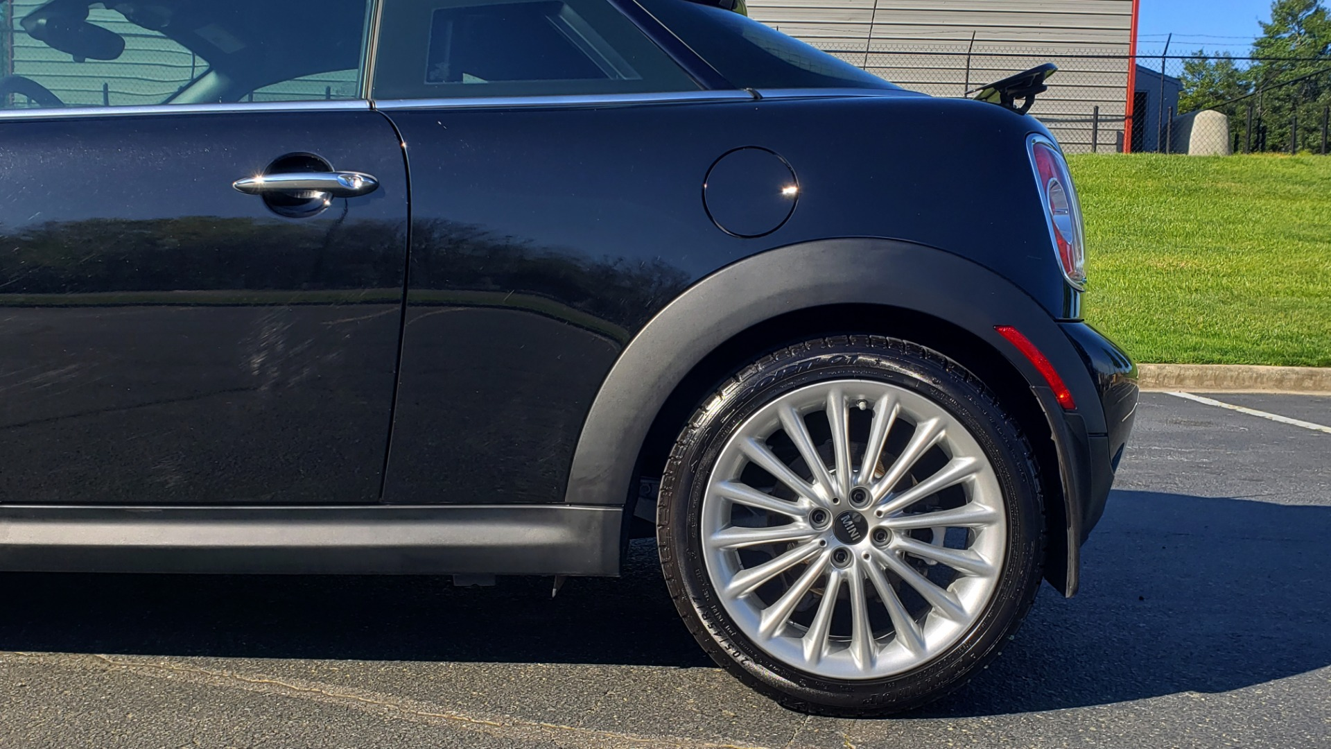 Used 2014 MINI COOPER COUPE FWD / 6-SPD MAN / 17IN WHEELS / LOW MILES for sale Sold at Formula Imports in Charlotte NC 28227 74