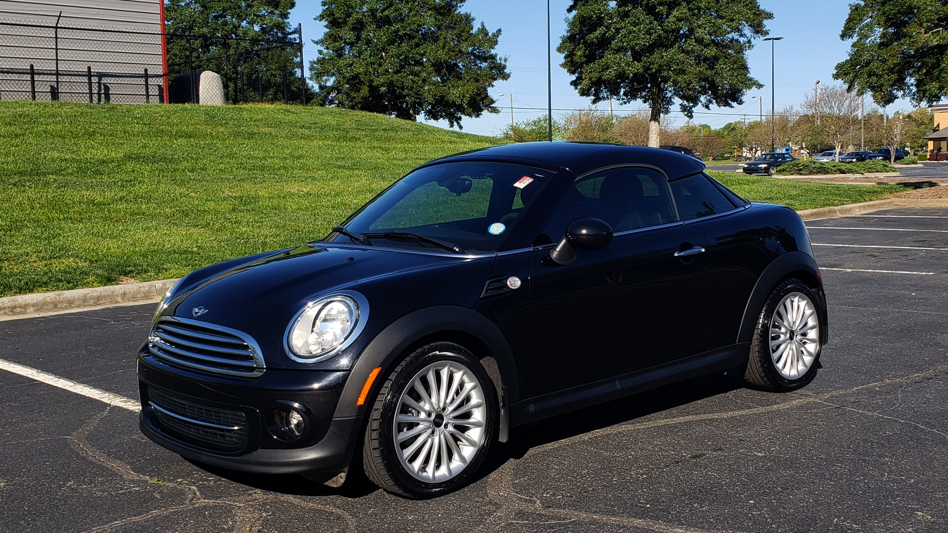 Used 2014 MINI COOPER COUPE FWD / 6-SPD MAN / 17IN WHEELS / LOW MILES for sale Sold at Formula Imports in Charlotte NC 28227 1