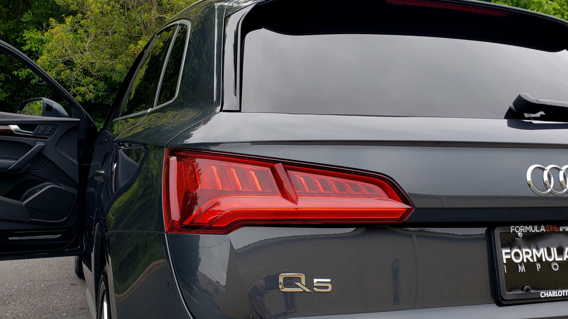 Used 2018 Audi Q5 PREMIUM PLUS / S-TRONIC / NAV / PANO-ROOF / PARK SYS PLUS for sale Sold at Formula Imports in Charlotte NC 28227 29