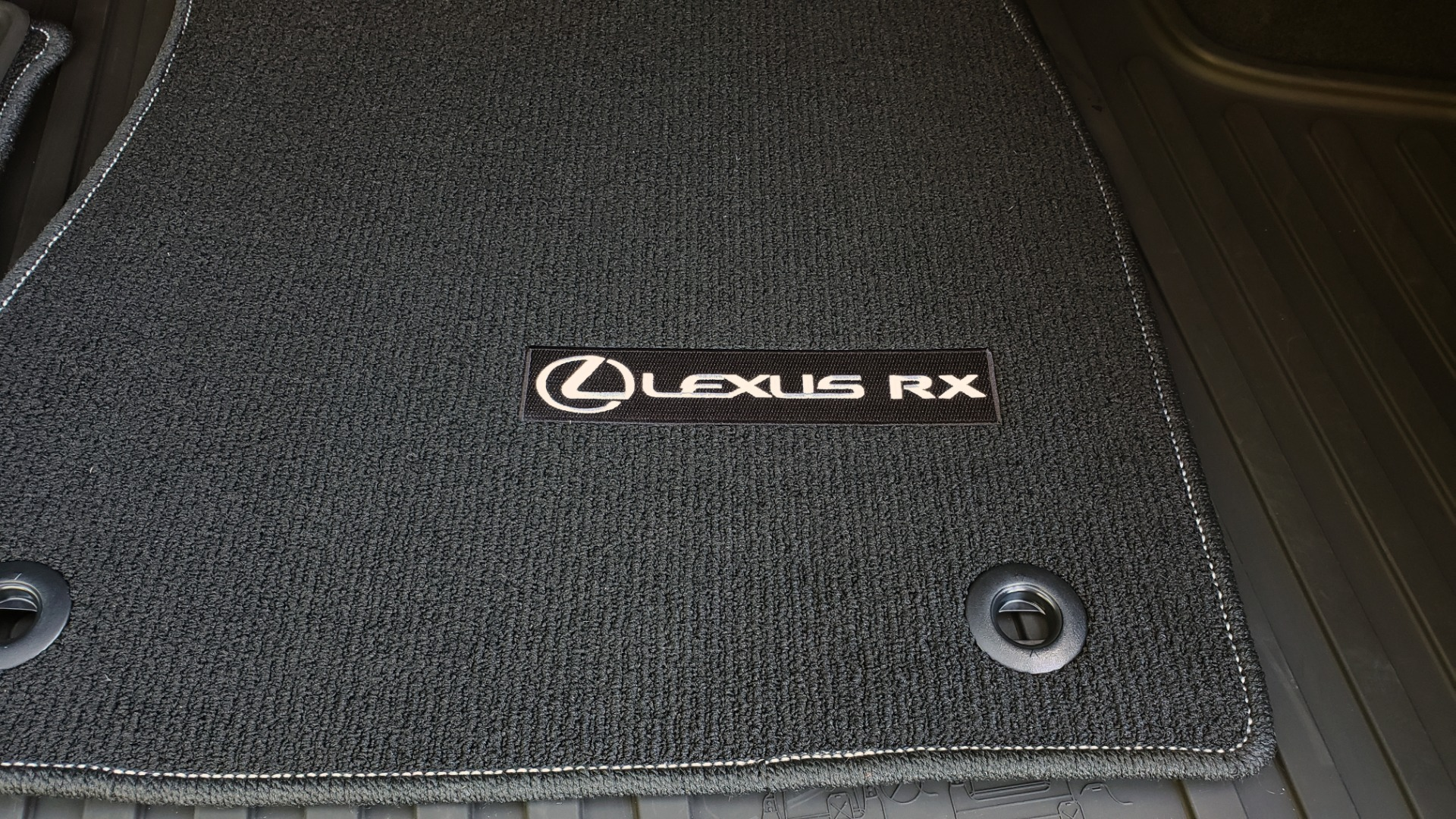 Used 2016 Lexus RX 350 PREMIUM / AWD / VENT SEATS / SUNROOF / BSM for sale Sold at Formula Imports in Charlotte NC 28227 16