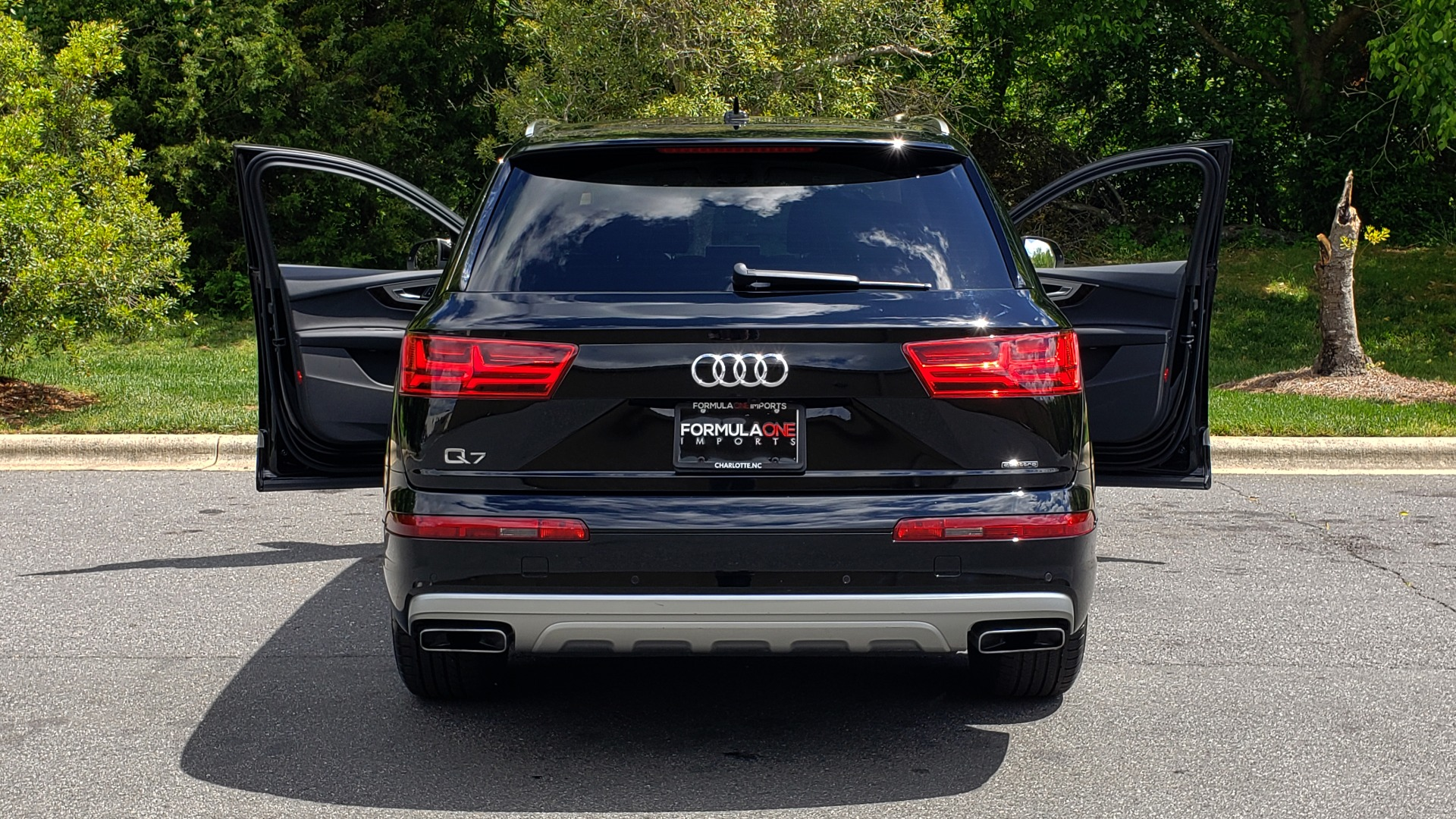 Used 2017 Audi Q7 PREMIUM PLUS / VISION PKG / NAV / PANO-ROOF / 3-ROW / REARVIEW for sale Sold at Formula Imports in Charlotte NC 28227 27