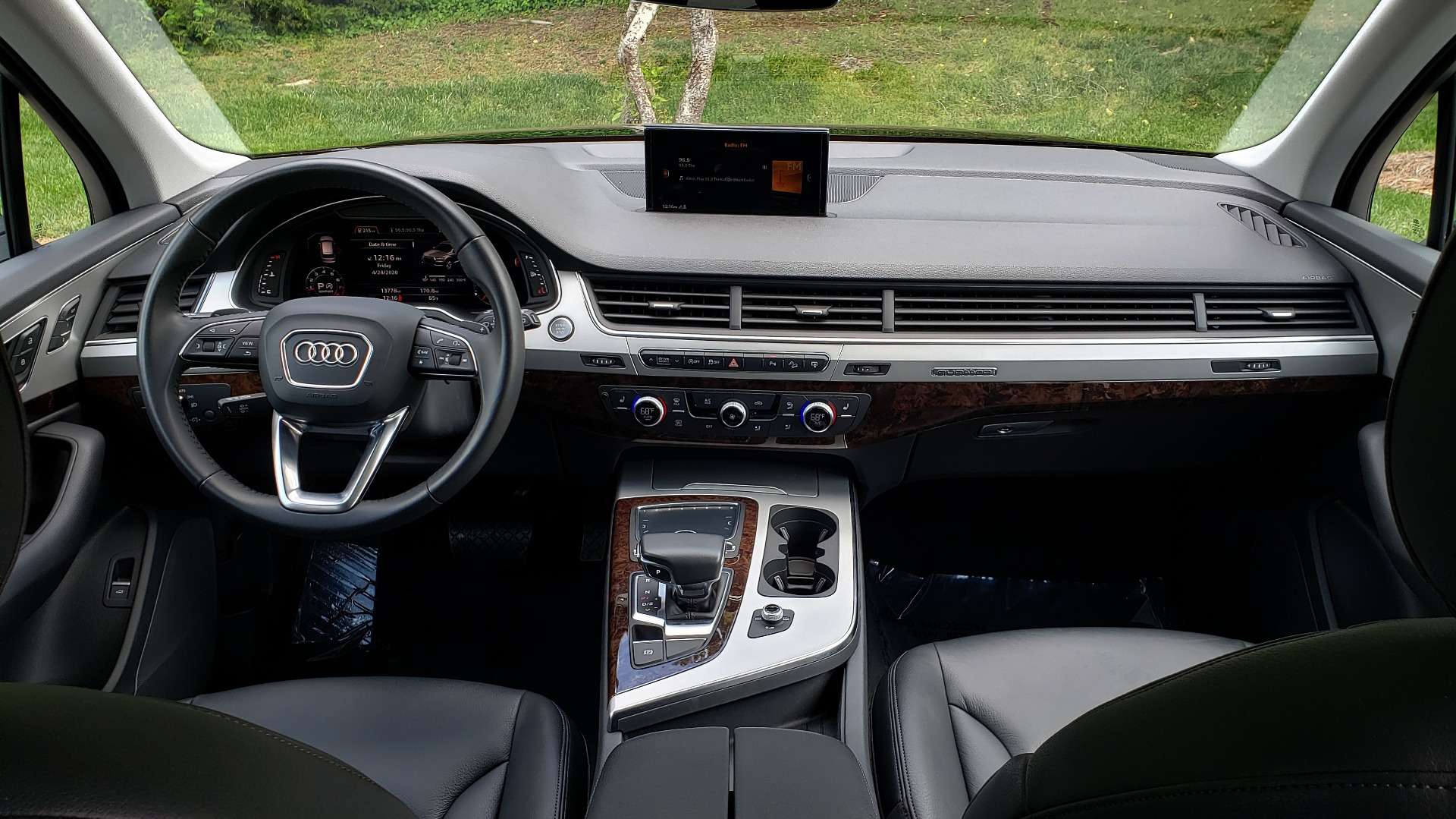 Used 2017 Audi Q7 PREMIUM PLUS / VISION PKG / NAV / PANO-ROOF / 3-ROW / REARVIEW for sale Sold at Formula Imports in Charlotte NC 28227 83