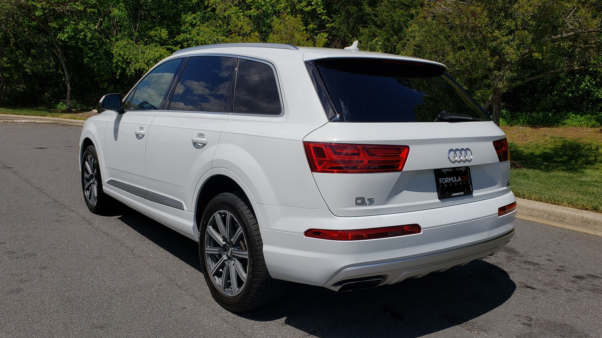 Used 2017 Audi Q7 PREMIUM PLUS / VISION PKG / NAV / PANO-ROOF / 3-ROW / REARVIEW for sale Sold at Formula Imports in Charlotte NC 28227 3