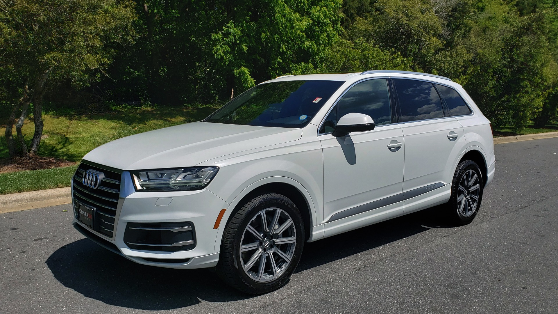 Used 2017 Audi Q7 PREMIUM PLUS / VISION PKG / NAV / PANO-ROOF / 3-ROW / REARVIEW for sale Sold at Formula Imports in Charlotte NC 28227 1