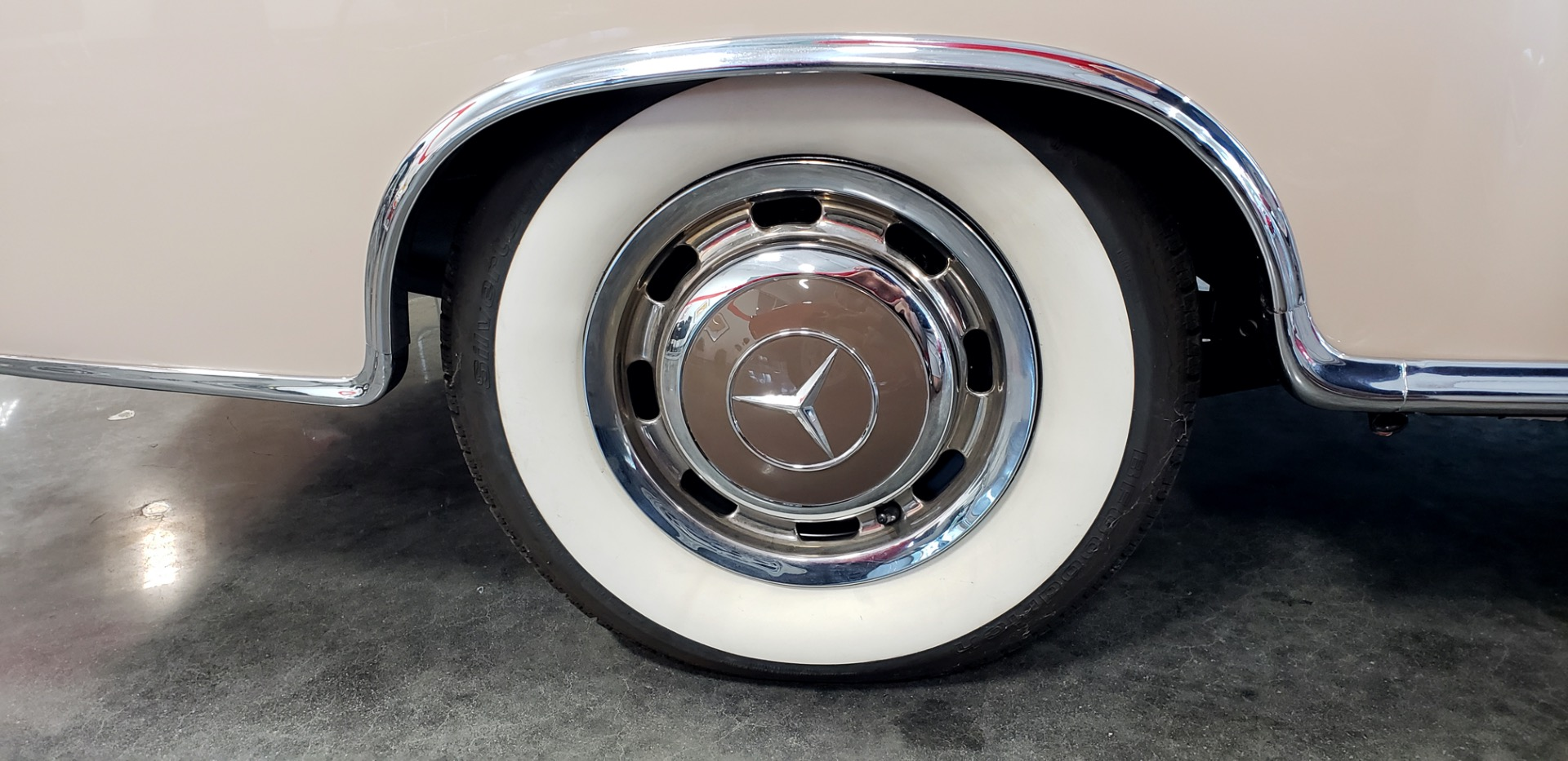Used 1957 Mercedes-Benz 220 S Cabriolet - Full Restoration for sale Sold at Formula Imports in Charlotte NC 28227 12