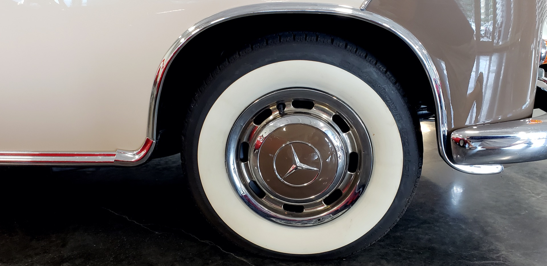 Used 1957 Mercedes-Benz 220 S Cabriolet - Full Restoration for sale Sold at Formula Imports in Charlotte NC 28227 13