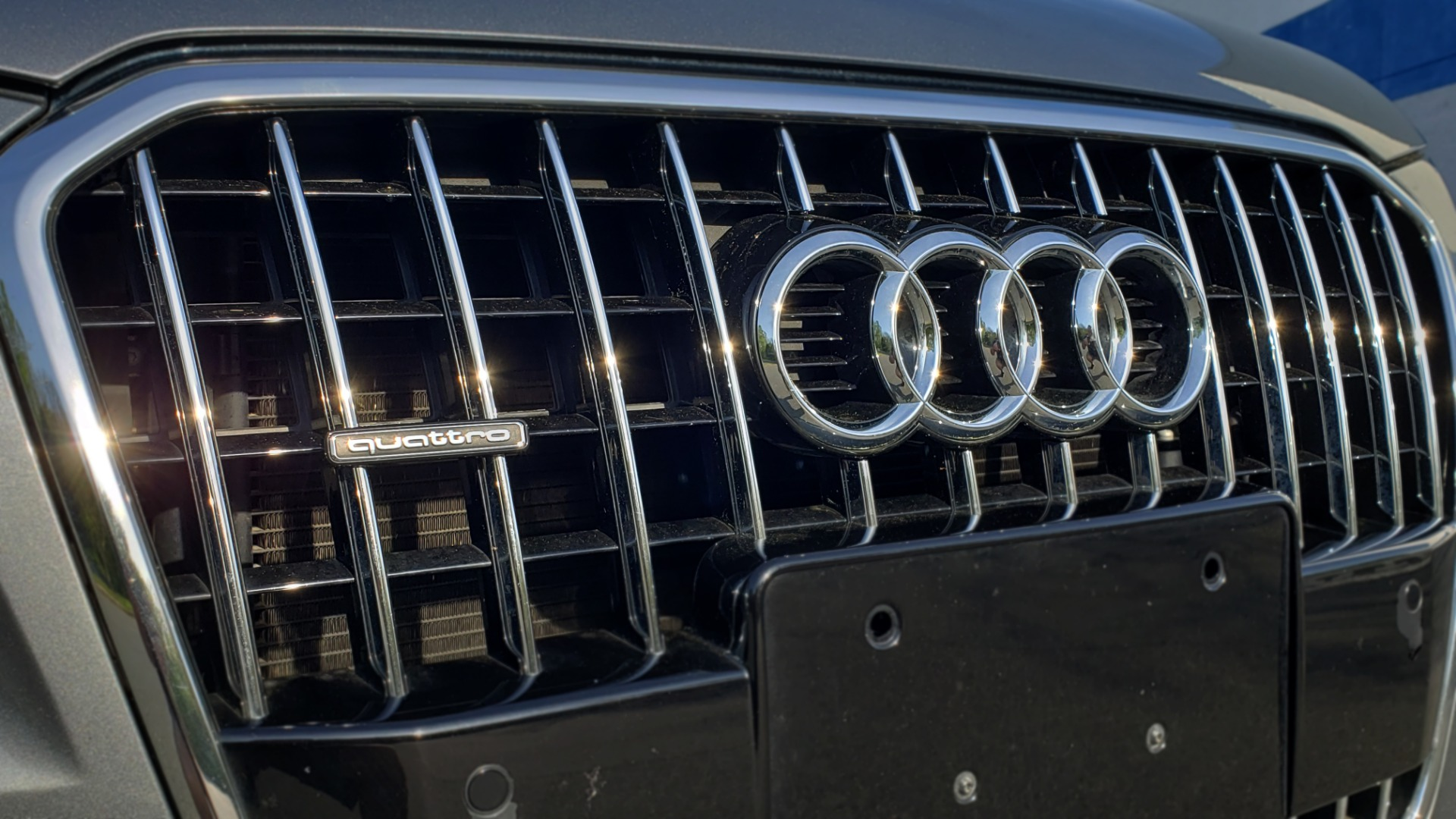 Used 2015 Audi Q5 PREMIUM PLUS / TECH PKG / NAV / PANO-ROOF / REARVIEW for sale Sold at Formula Imports in Charlotte NC 28227 27