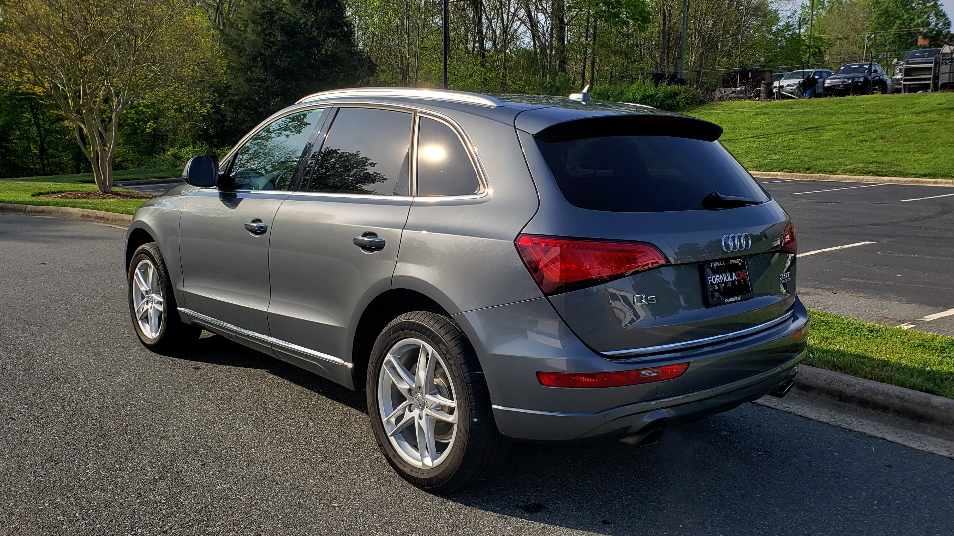Used 2015 Audi Q5 PREMIUM PLUS / TECH PKG / NAV / PANO-ROOF / REARVIEW for sale Sold at Formula Imports in Charlotte NC 28227 3