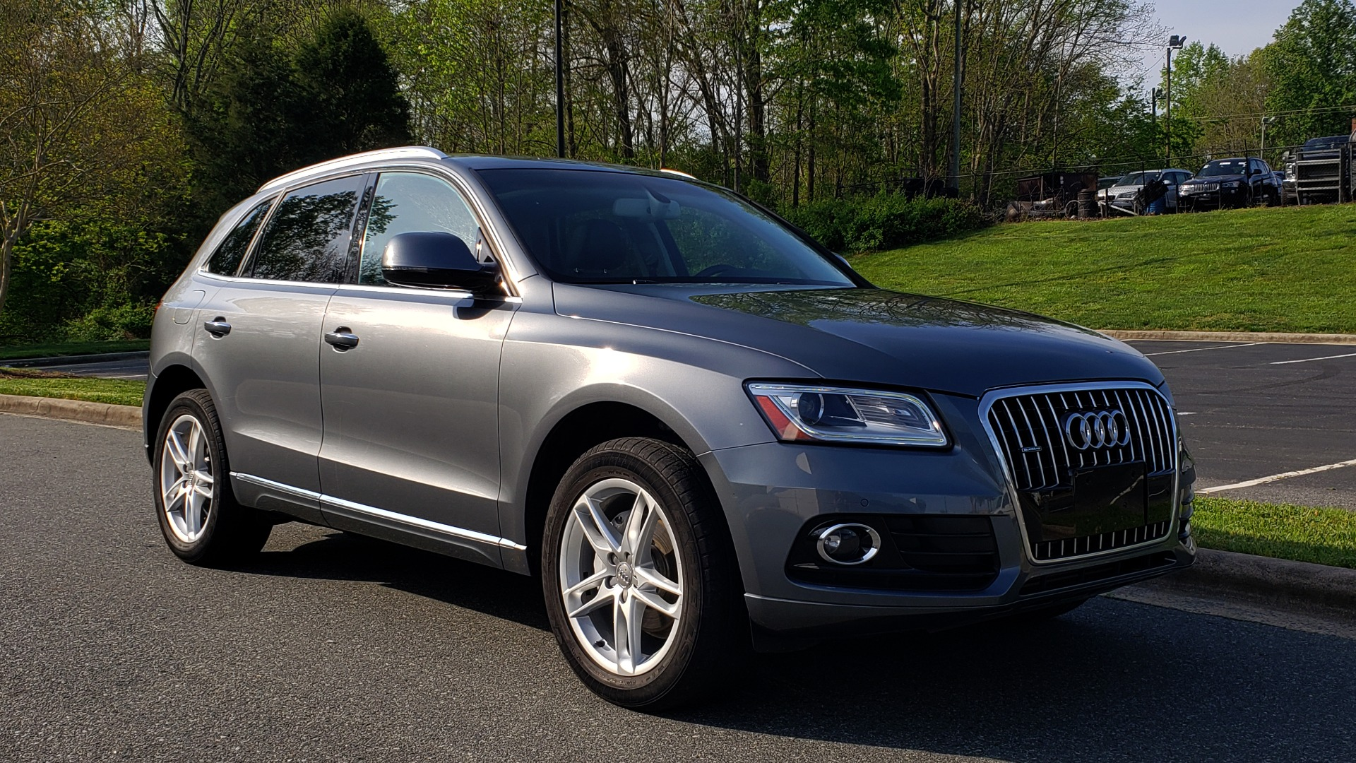 Used 2015 Audi Q5 PREMIUM PLUS / TECH PKG / NAV / PANO-ROOF / REARVIEW for sale Sold at Formula Imports in Charlotte NC 28227 4