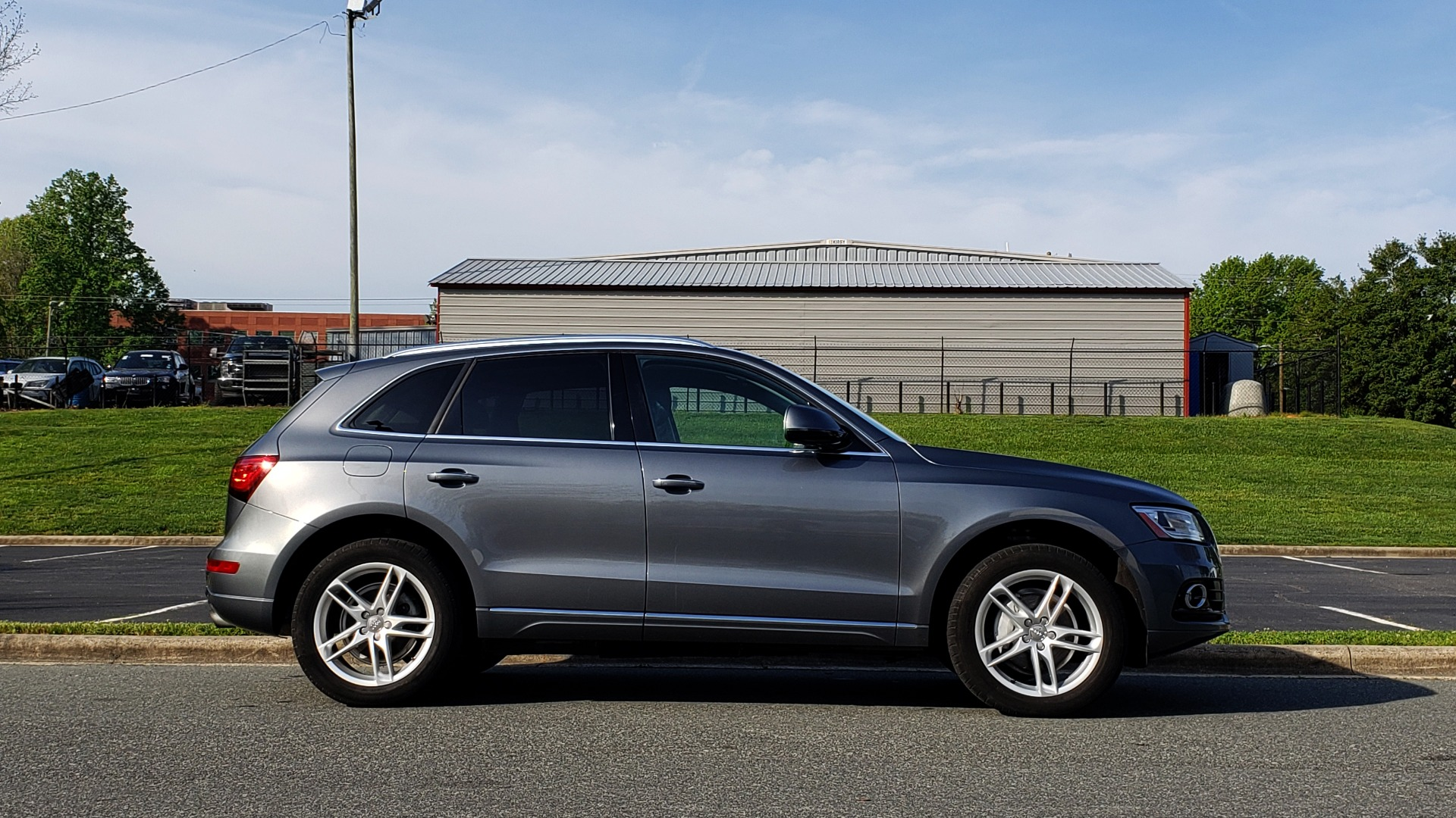 Used 2015 Audi Q5 PREMIUM PLUS / TECH PKG / NAV / PANO-ROOF / REARVIEW for sale Sold at Formula Imports in Charlotte NC 28227 5