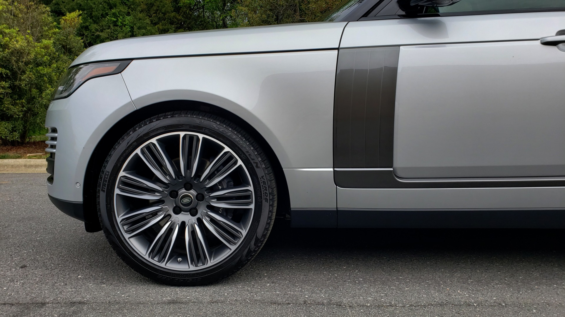 Used 2019 Land Rover RANGE ROVER SUPERCHARGED V8 / DRV PRO PK / VISION ASSIST / SHADOW PKG / PARK PRO / TOW  for sale Sold at Formula Imports in Charlotte NC 28227 100