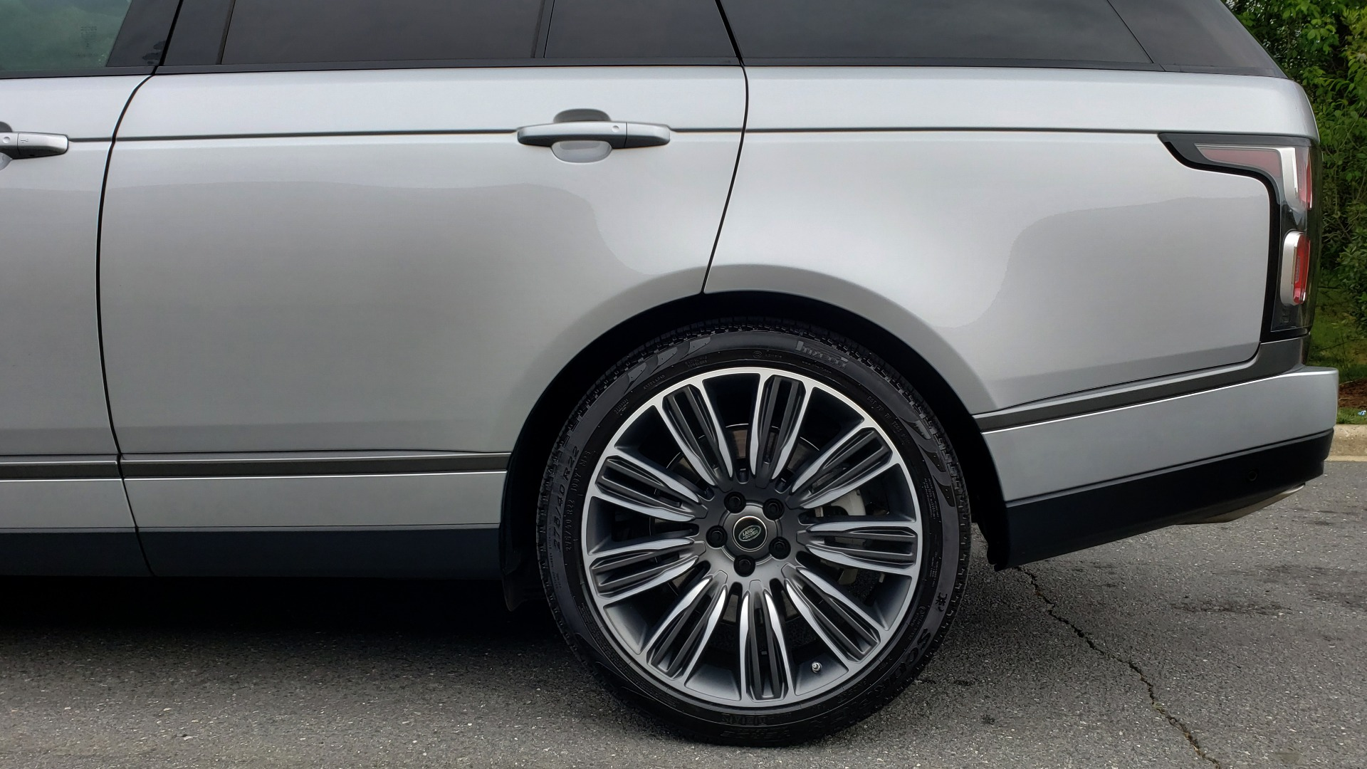 Used 2019 Land Rover RANGE ROVER SUPERCHARGED V8 / DRV PRO PK / VISION ASSIST / SHADOW PKG / PARK PRO / TOW  for sale Sold at Formula Imports in Charlotte NC 28227 101