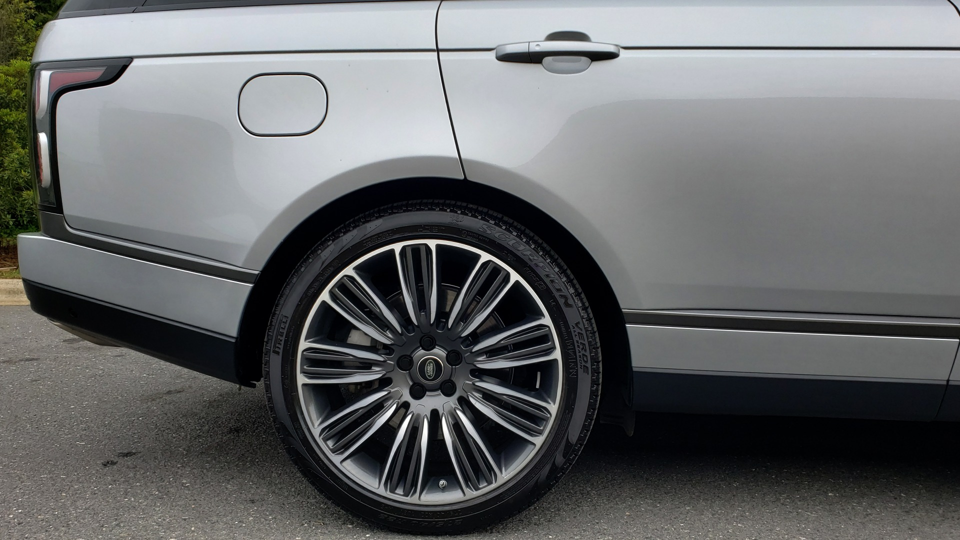 Used 2019 Land Rover RANGE ROVER SUPERCHARGED V8 / DRV PRO PK / VISION ASSIST / SHADOW PKG / PARK PRO / TOW  for sale Sold at Formula Imports in Charlotte NC 28227 102