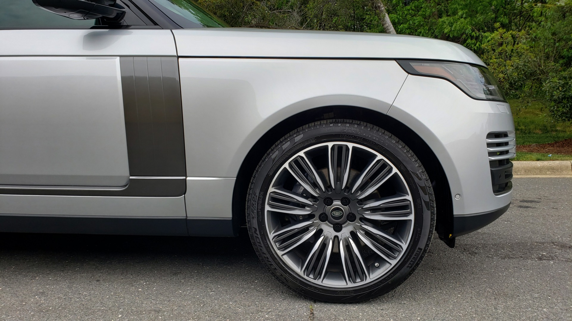 Used 2019 Land Rover RANGE ROVER SUPERCHARGED V8 / DRV PRO PK / VISION ASSIST / SHADOW PKG / PARK PRO / TOW  for sale Sold at Formula Imports in Charlotte NC 28227 103
