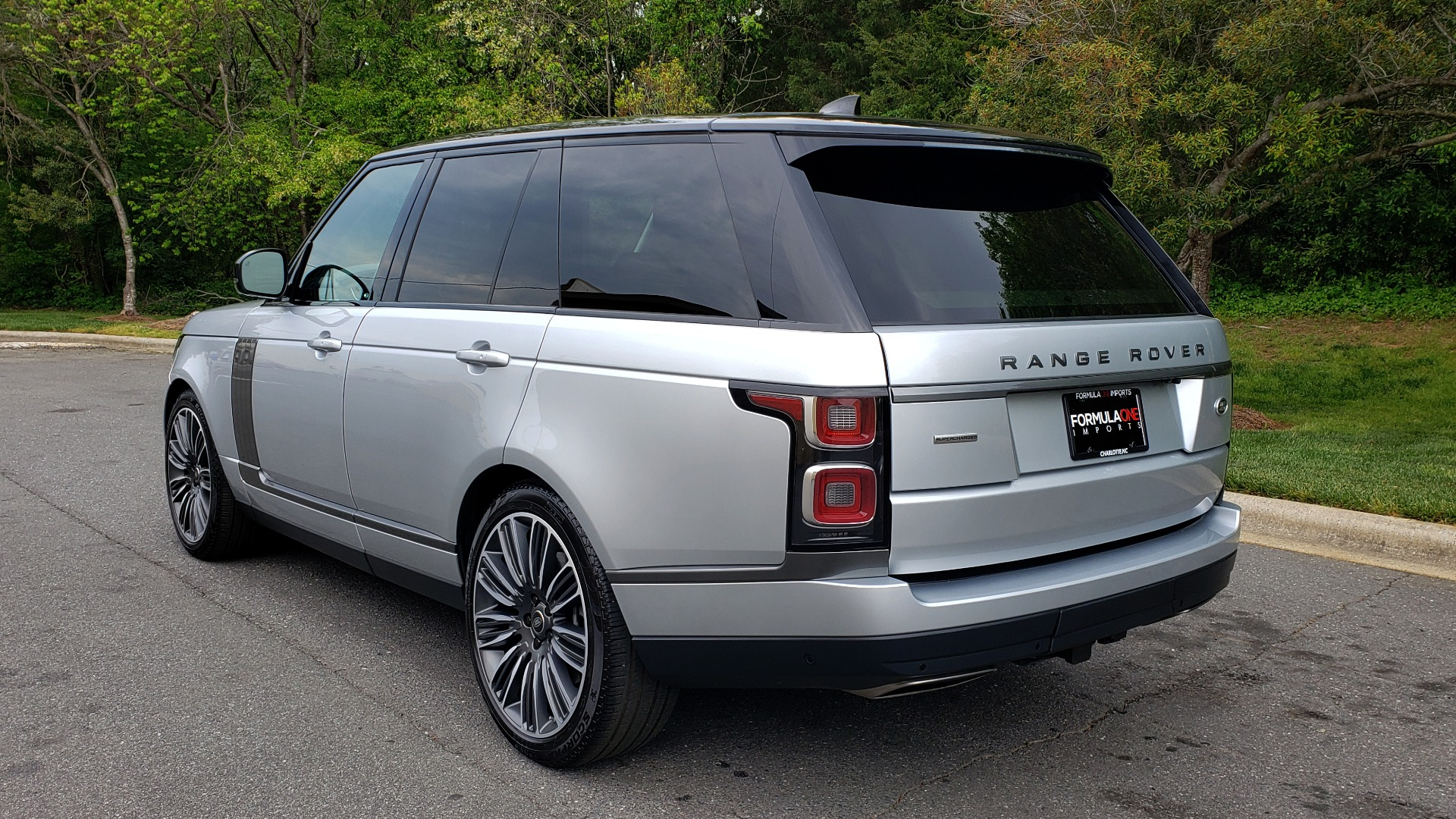 Used 2019 Land Rover RANGE ROVER SUPERCHARGED V8 / DRV PRO PK / VISION ASSIST / SHADOW PKG / PARK PRO / TOW  for sale Sold at Formula Imports in Charlotte NC 28227 3