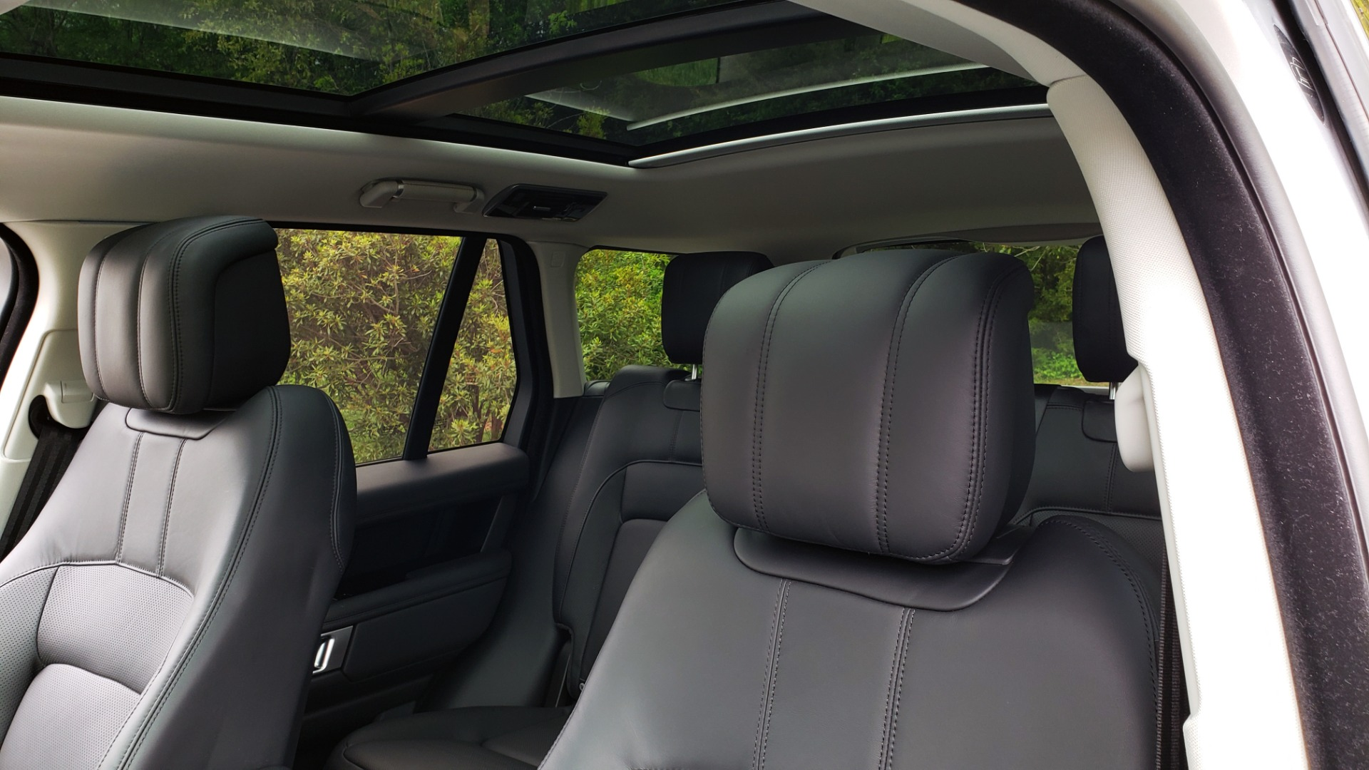 Used 2019 Land Rover RANGE ROVER SUPERCHARGED V8 / DRV PRO PK / VISION ASSIST / SHADOW PKG / PARK PRO / TOW  for sale Sold at Formula Imports in Charlotte NC 28227 36