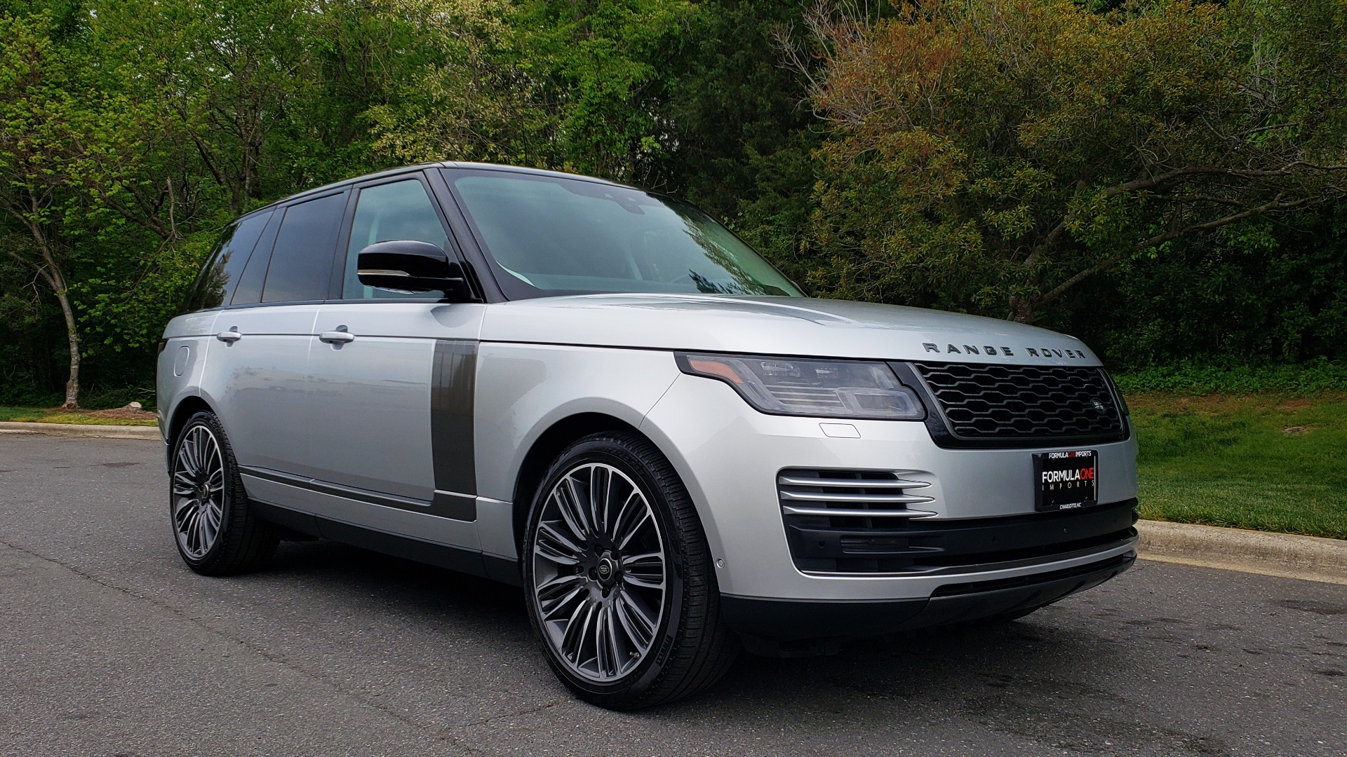 Used 2019 Land Rover RANGE ROVER SUPERCHARGED V8 / DRV PRO PK / VISION ASSIST / SHADOW PKG / PARK PRO / TOW  for sale Sold at Formula Imports in Charlotte NC 28227 4