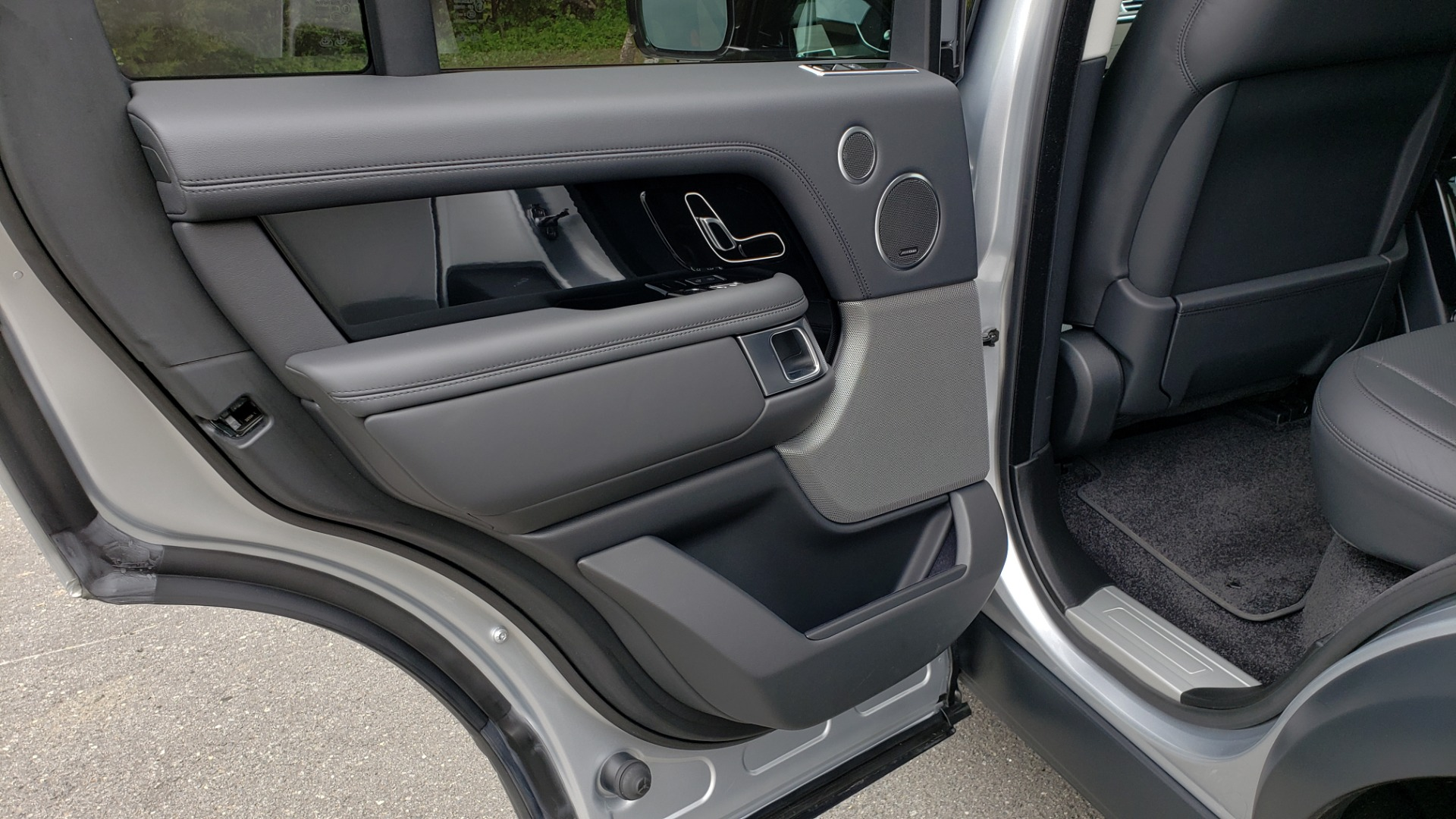 Used 2019 Land Rover RANGE ROVER SUPERCHARGED V8 / DRV PRO PK / VISION ASSIST / SHADOW PKG / PARK PRO / TOW  for sale Sold at Formula Imports in Charlotte NC 28227 73