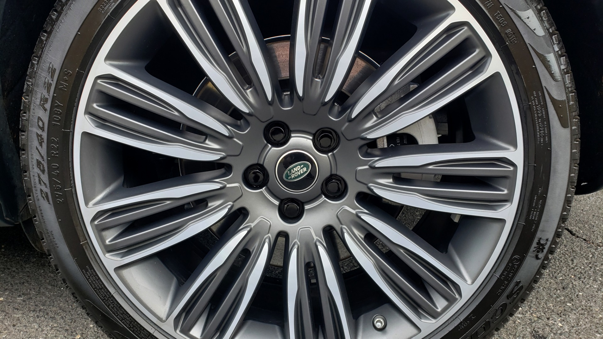 Used 2019 Land Rover RANGE ROVER SUPERCHARGED V8 / DRV PRO PK / VISION ASSIST / SHADOW PKG / PARK PRO / TOW  for sale Sold at Formula Imports in Charlotte NC 28227 9