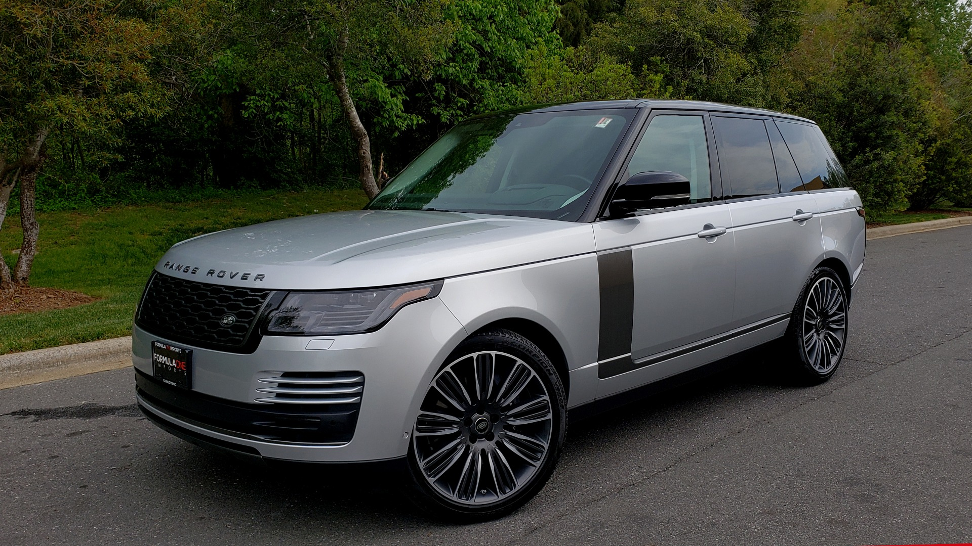 Used 2019 Land Rover RANGE ROVER SUPERCHARGED V8 / DRV PRO PK / VISION ASSIST / SHADOW PKG / PARK PRO / TOW  for sale Sold at Formula Imports in Charlotte NC 28227 1