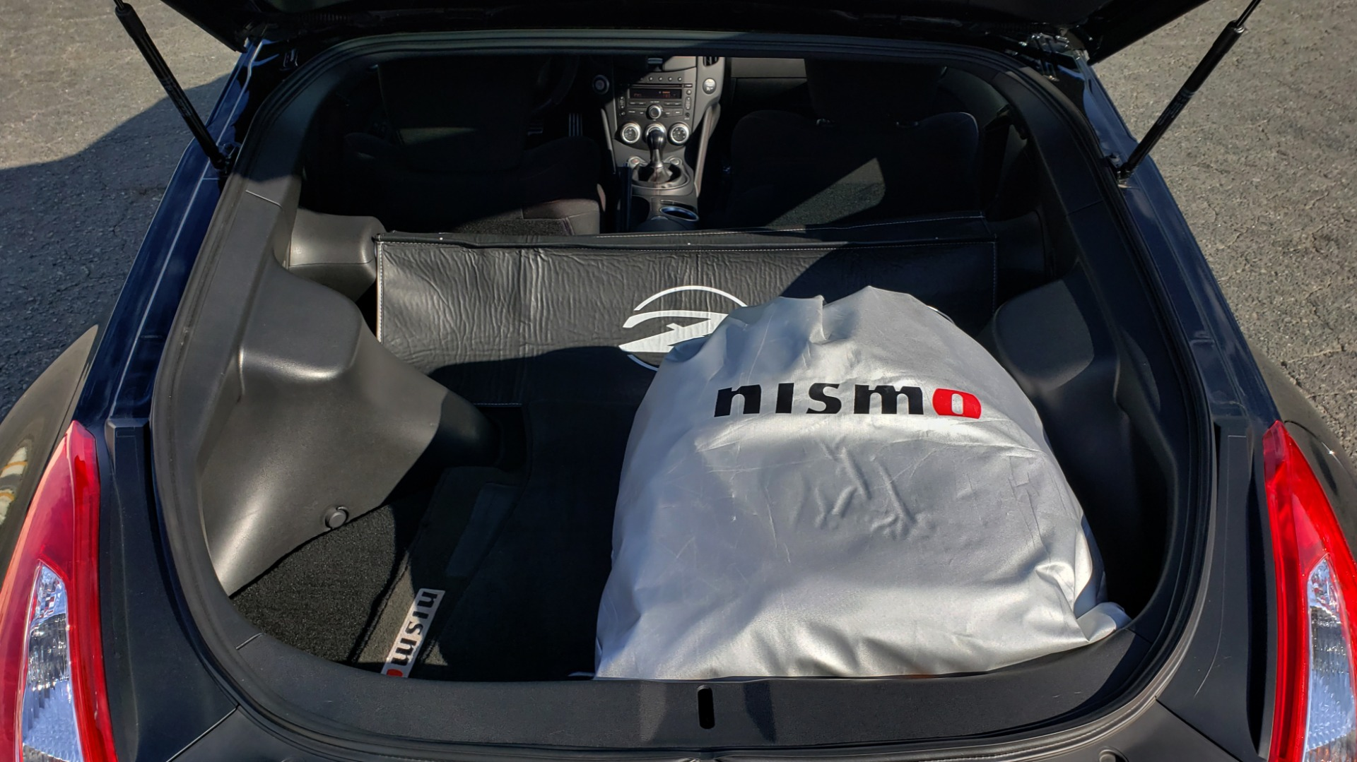 Used 2014 Nissan 370Z NISMO / 6-SPD MAN / BOSE / 6-DISC CHANGER / NISMO MATS / REARVIEW for sale Sold at Formula Imports in Charlotte NC 28227 19