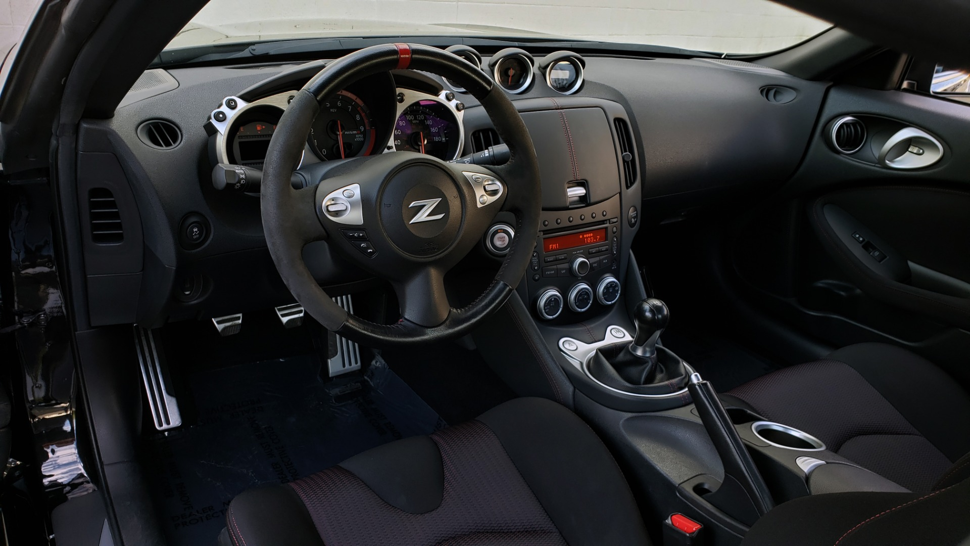 Used 2014 Nissan 370Z NISMO / 6-SPD MAN / BOSE / 6-DISC CHANGER / NISMO MATS / REARVIEW for sale Sold at Formula Imports in Charlotte NC 28227 39